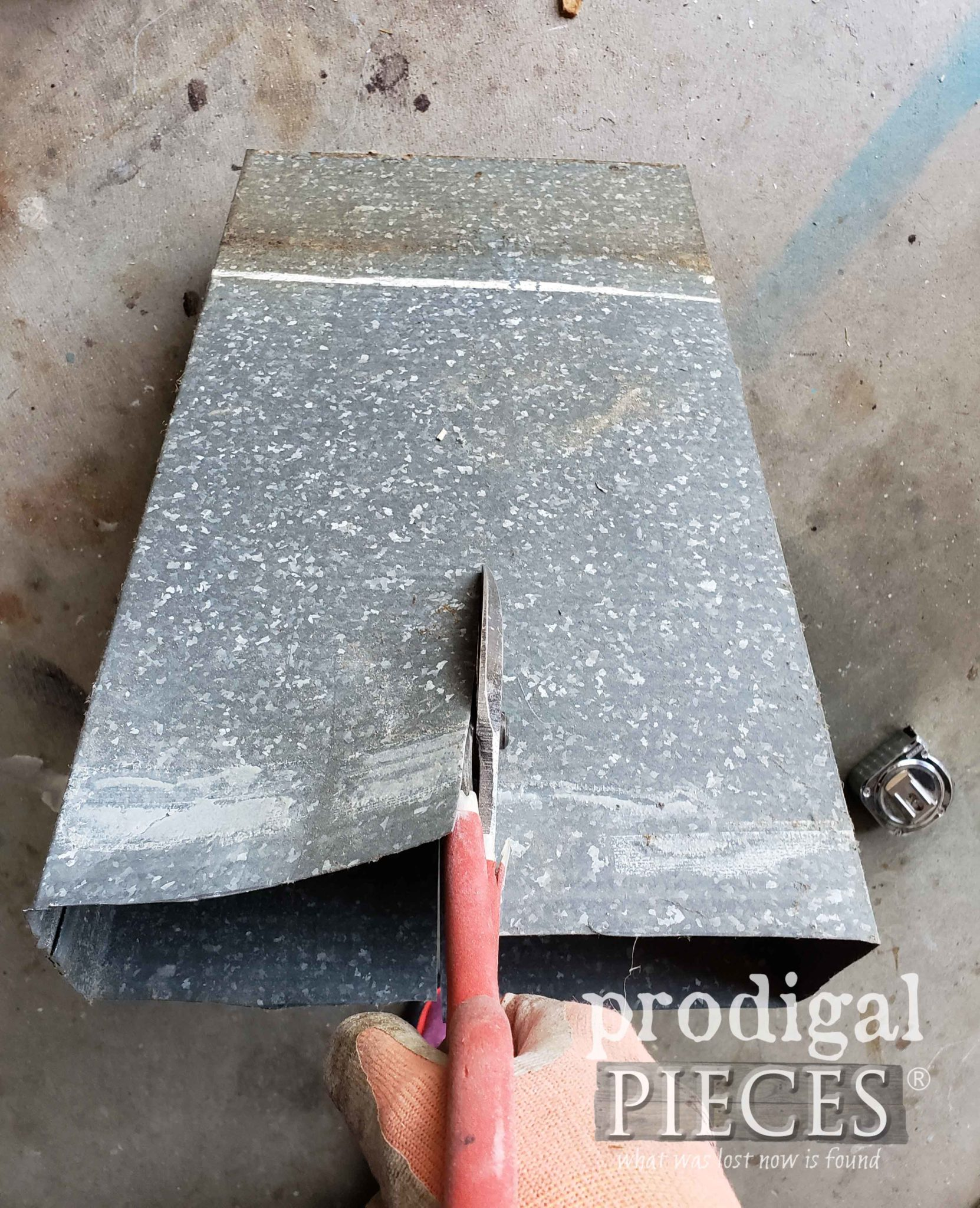 Cutting Metal Duct with Tin Snips | prodigalpieces.com