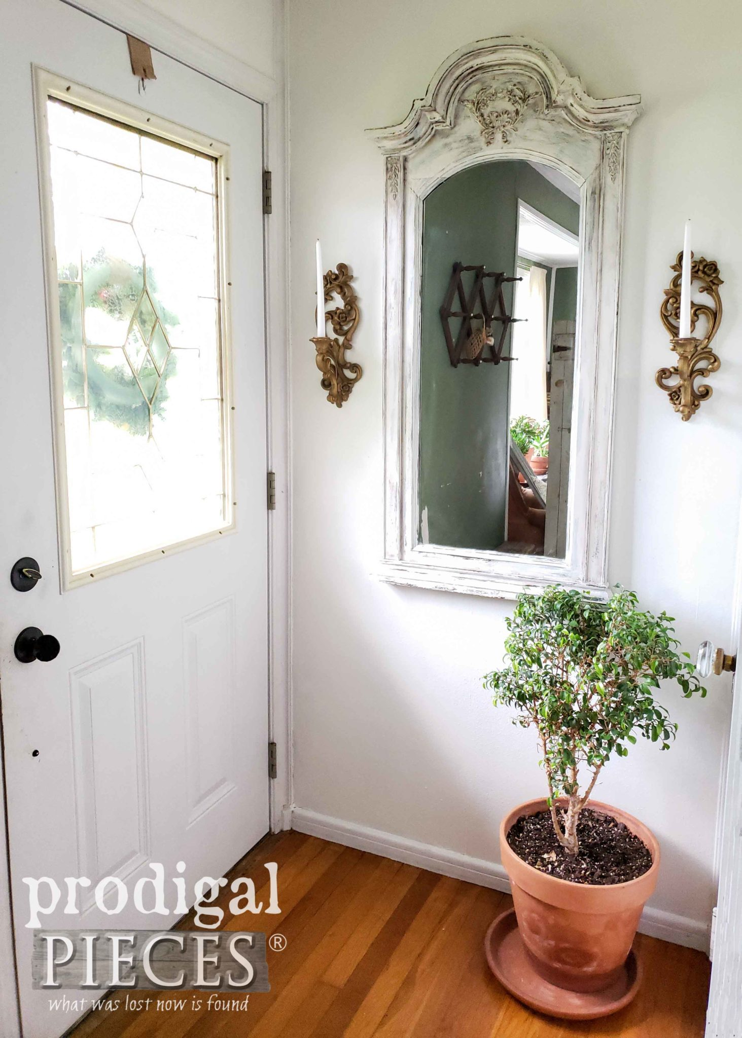 DIY Entry Mirror Using an Curbside Find Dresser Mirror by Larissa of Prodigal Pieces | prodigalpieces.com
