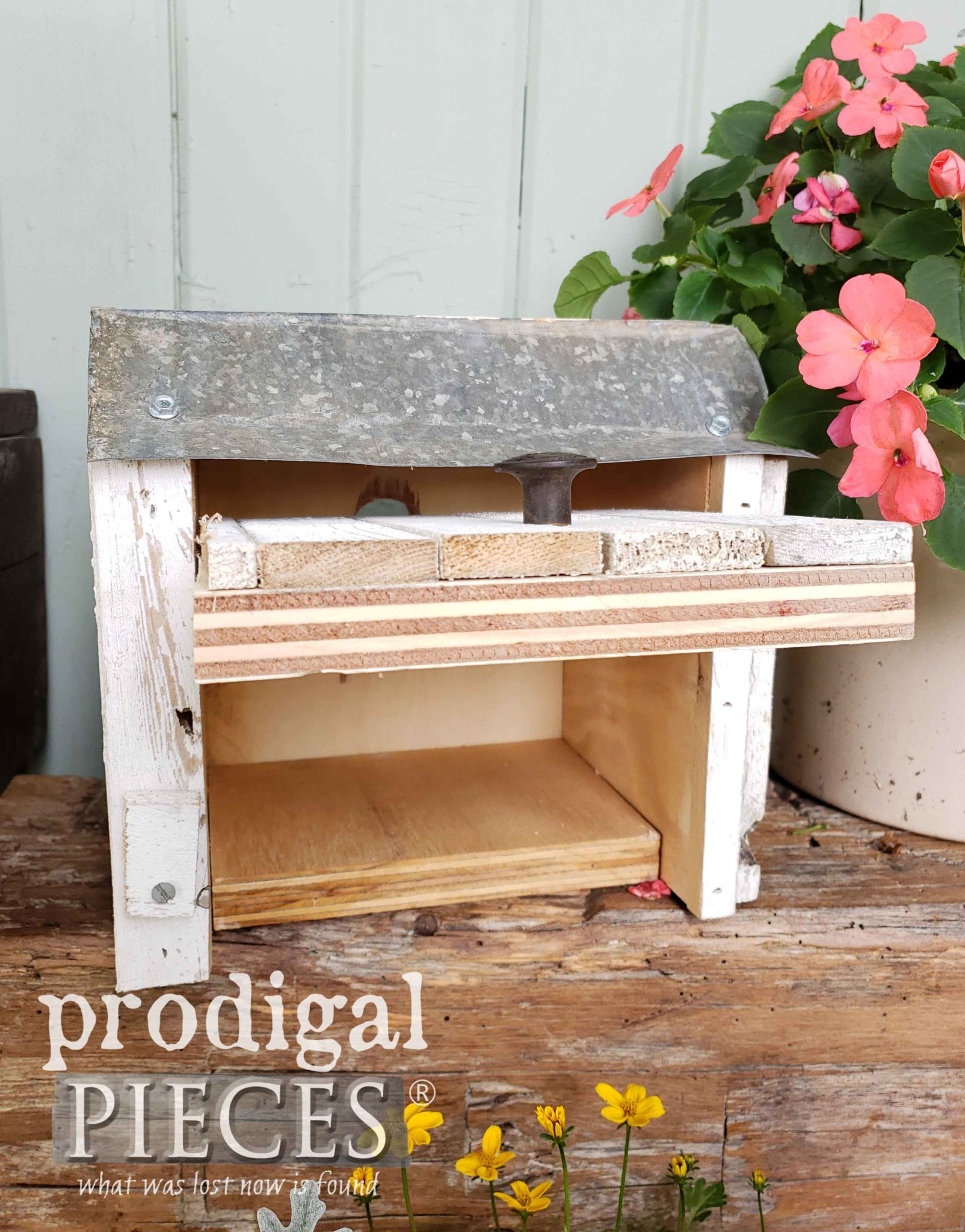 Open Birdhouse Makes for Easy Spring Cleaning | Prodigal Pieces | prodigalpieces.com