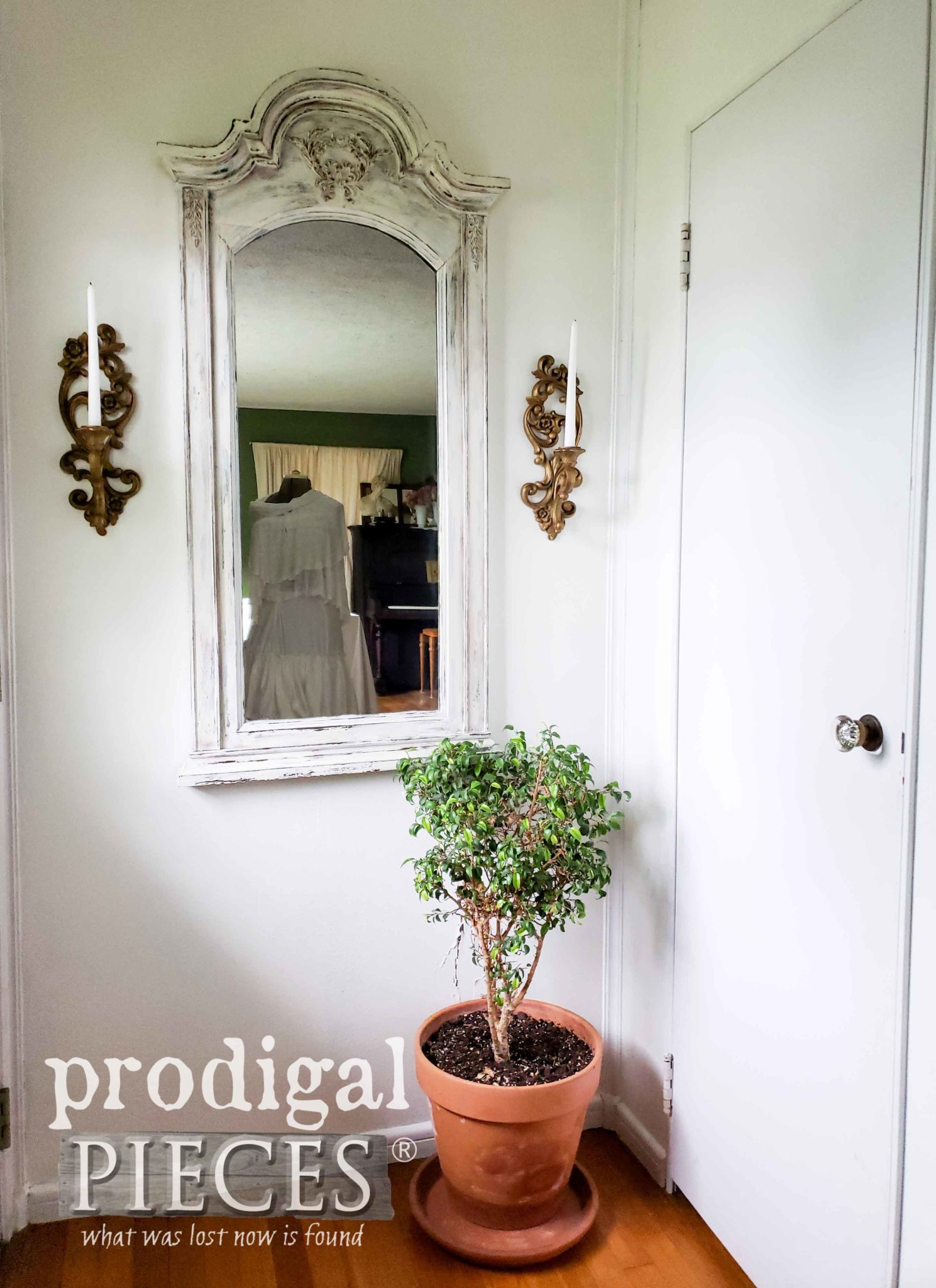 Upcycled Entry Mirror Adds Interest, Light and Depth to a Room | Prodigal Pieces | prodigalpieces.com