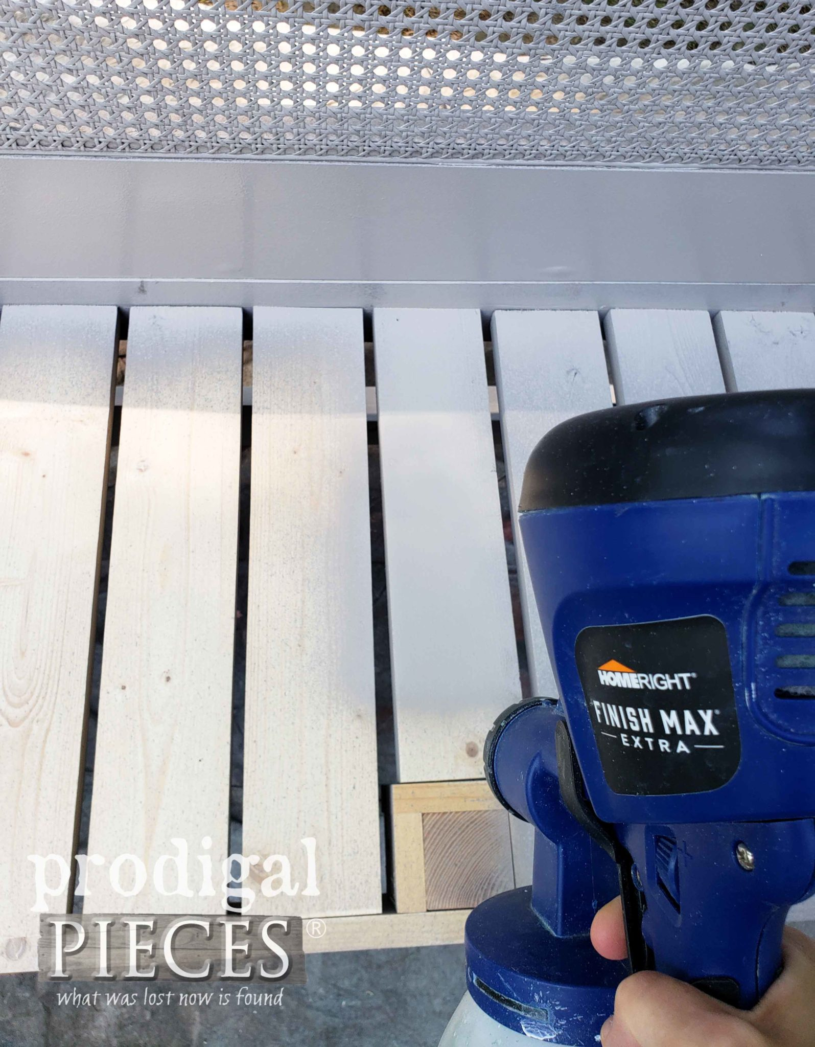 Vertical Spray Pattern by the HomeRight Super Finish Max as shown by Prodigal Pieces | prodigalpieces.com