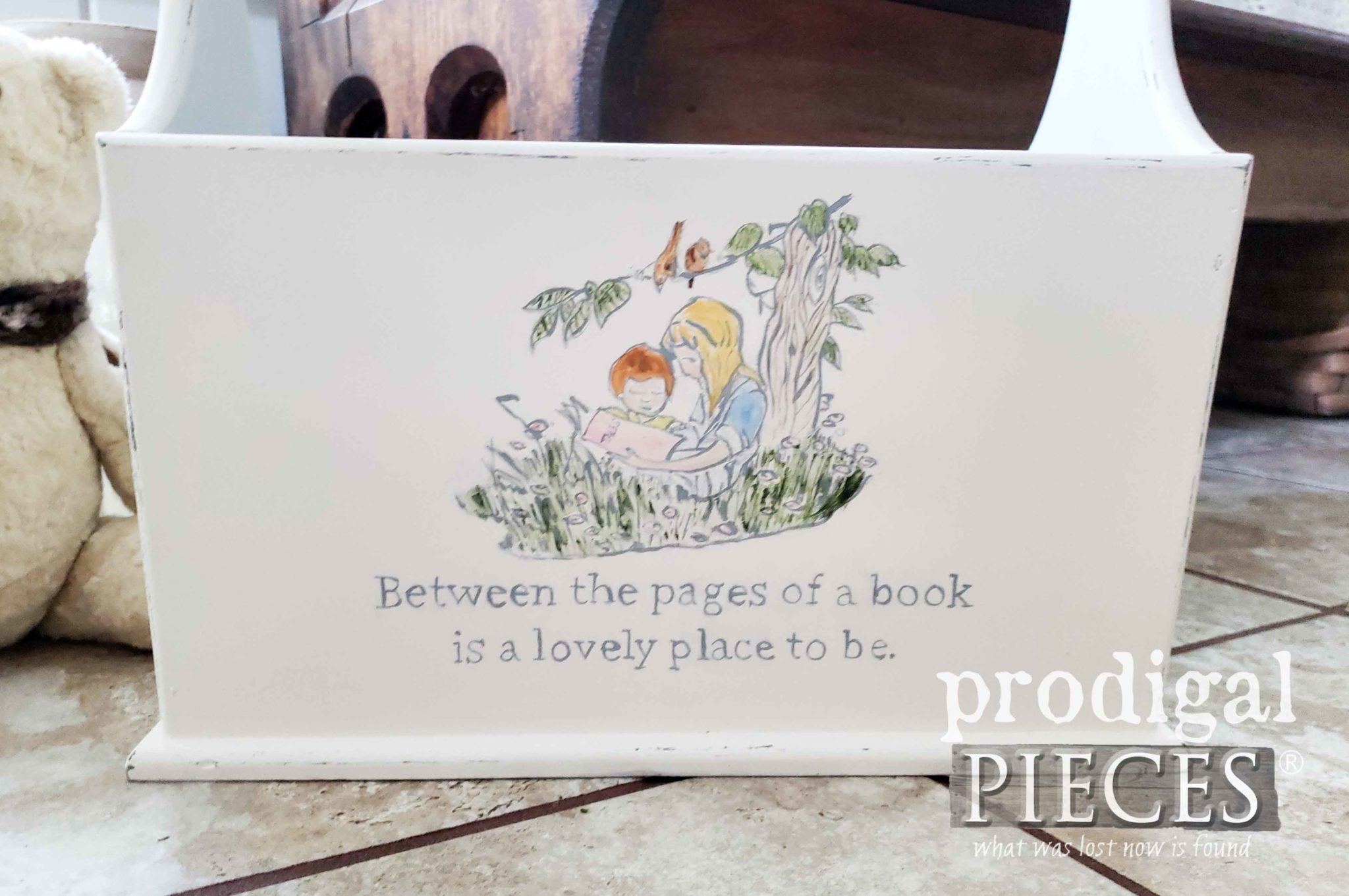 Vintage Hand-Painted Book Caddy by Larissa of Prodigal Pieces | prodigalpieces.com