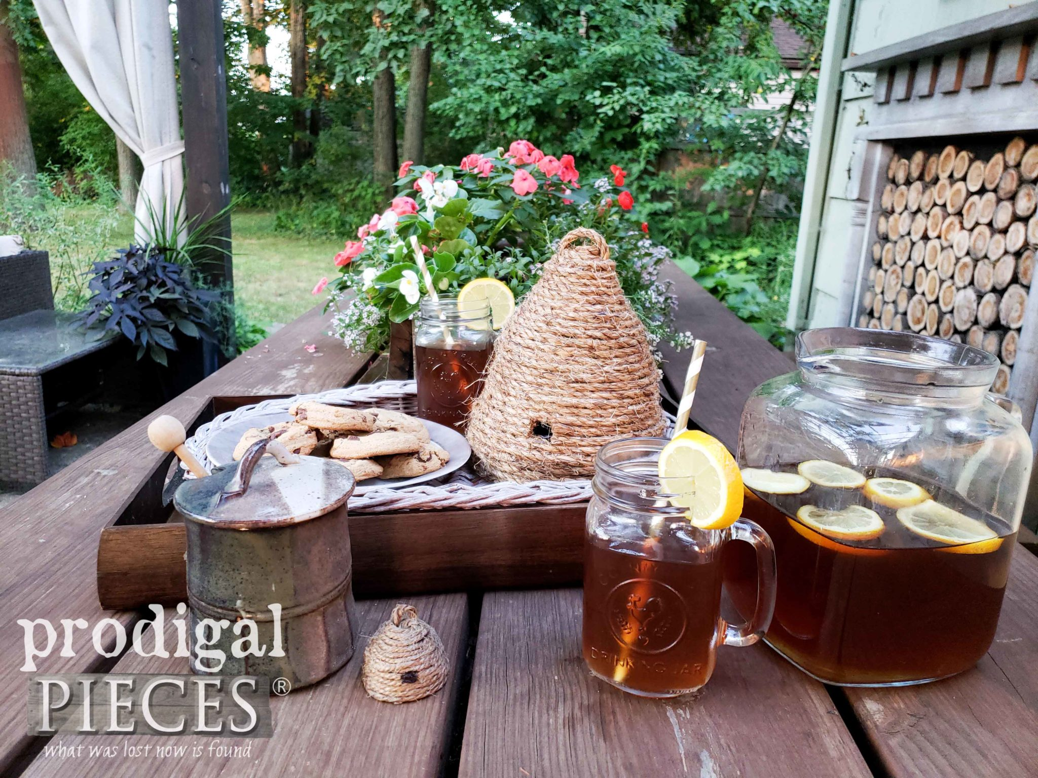 DIY Bee Skep for Indoor and Outdoor Decor by Prodigal Pieces | prodigalpieces.com