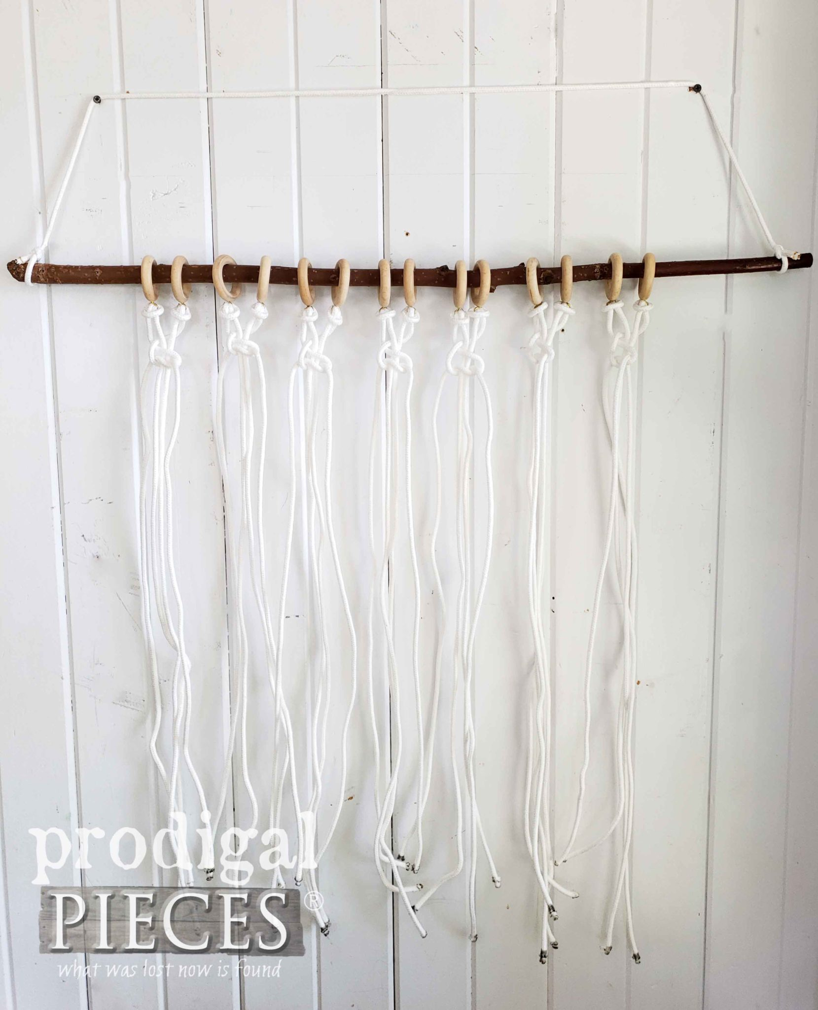 Beginning DIY Macrame Wall Art with a Square Knot by Larissa of Prodigal Pieces | prodigalpieces.com
