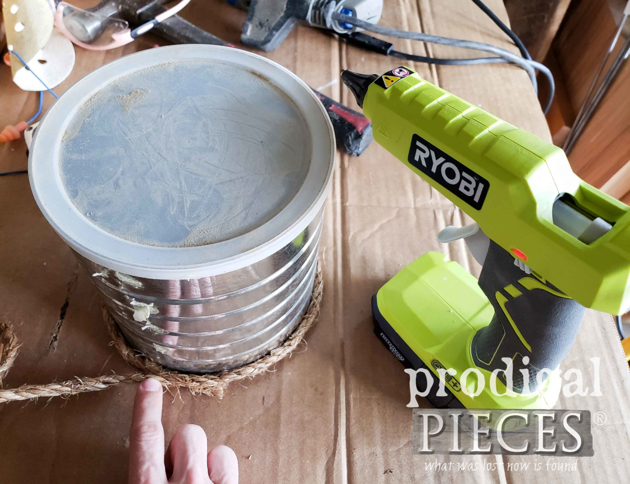Creating the DIY Rope Bee Skep with a Coffee Can by Prodigal Pieces | prodigalpieces.com