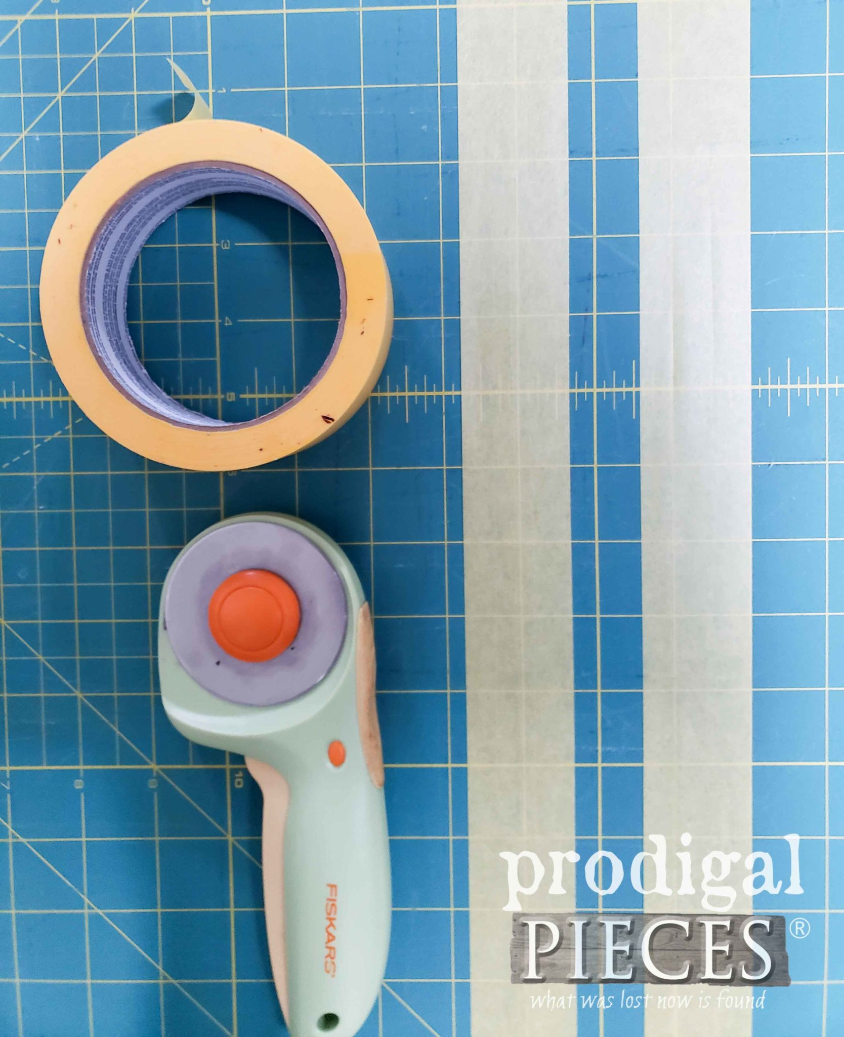 Cutting Mat and Cutter to Cut Frog Tape | prodigalpieces.com