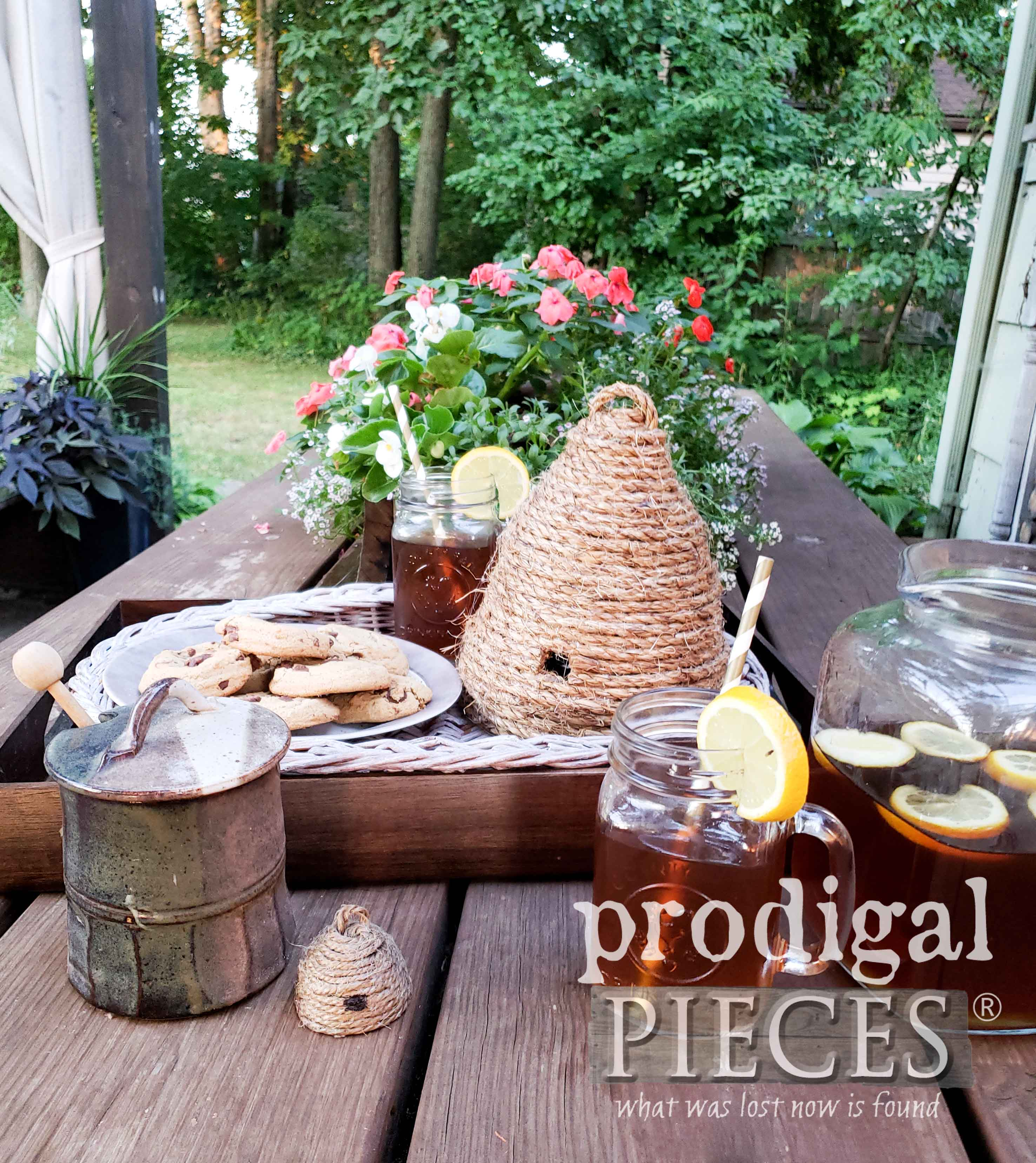 Patio Table Setting with DIY Bee Skeps by Prodigal Pieces | prodigalpieces.com