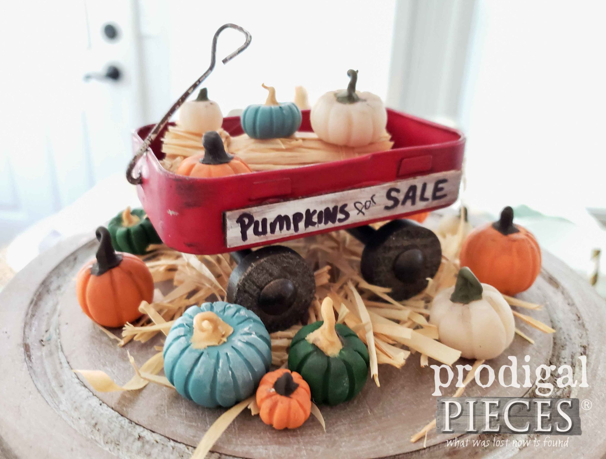 Adorable Mini Wagon made from Upcycled Altoid Tin and Sculpey Pumpkins by Larissa of Prodigal Pieces | prodigalpieces.com