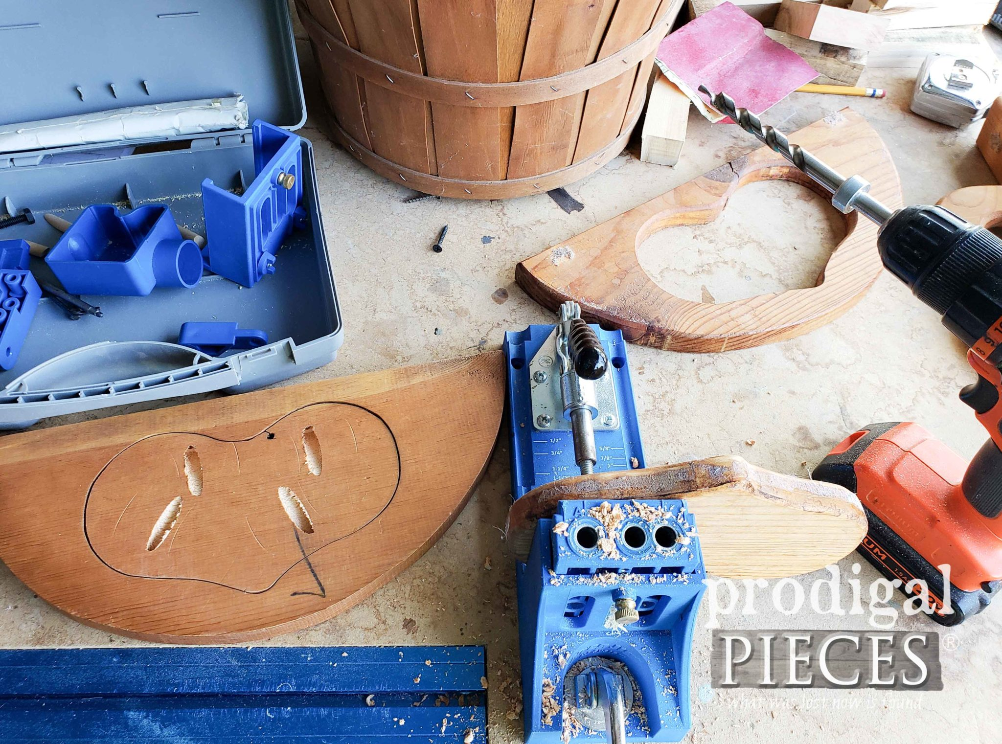 Kreg Jig Assembly of Farmhouse Sewing Basket | prodigalpieces.com