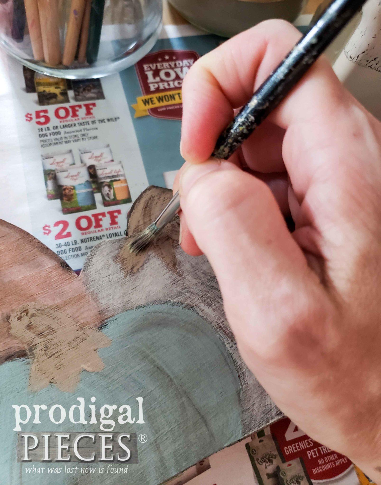 Hand-Painting Pumpkins by Larissa of Prodigal Pieces | prodigalpieces.com