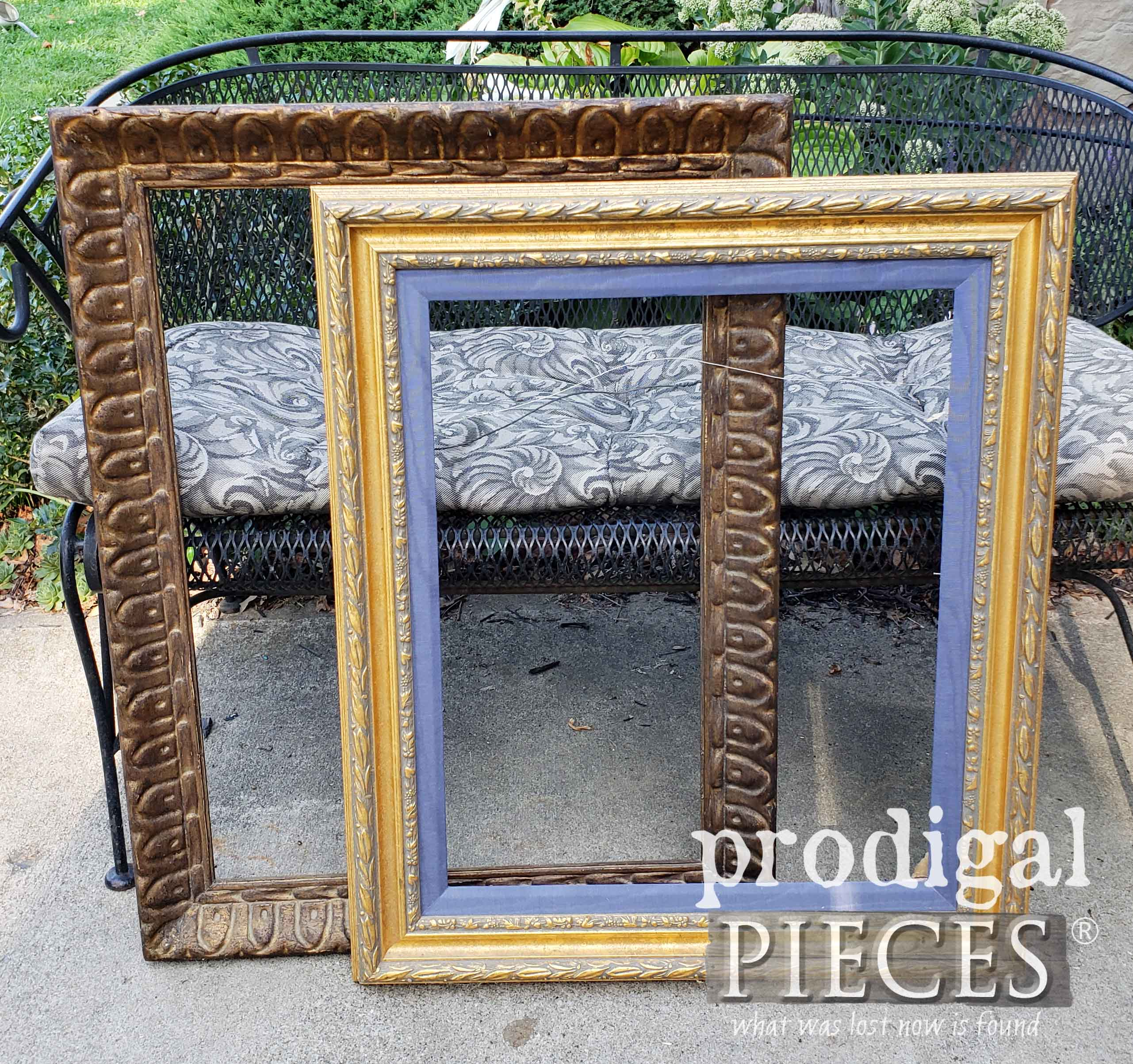 Thrifted Picture Frames Before Makeover by Prodigal Pieces | prodigalpieces.com