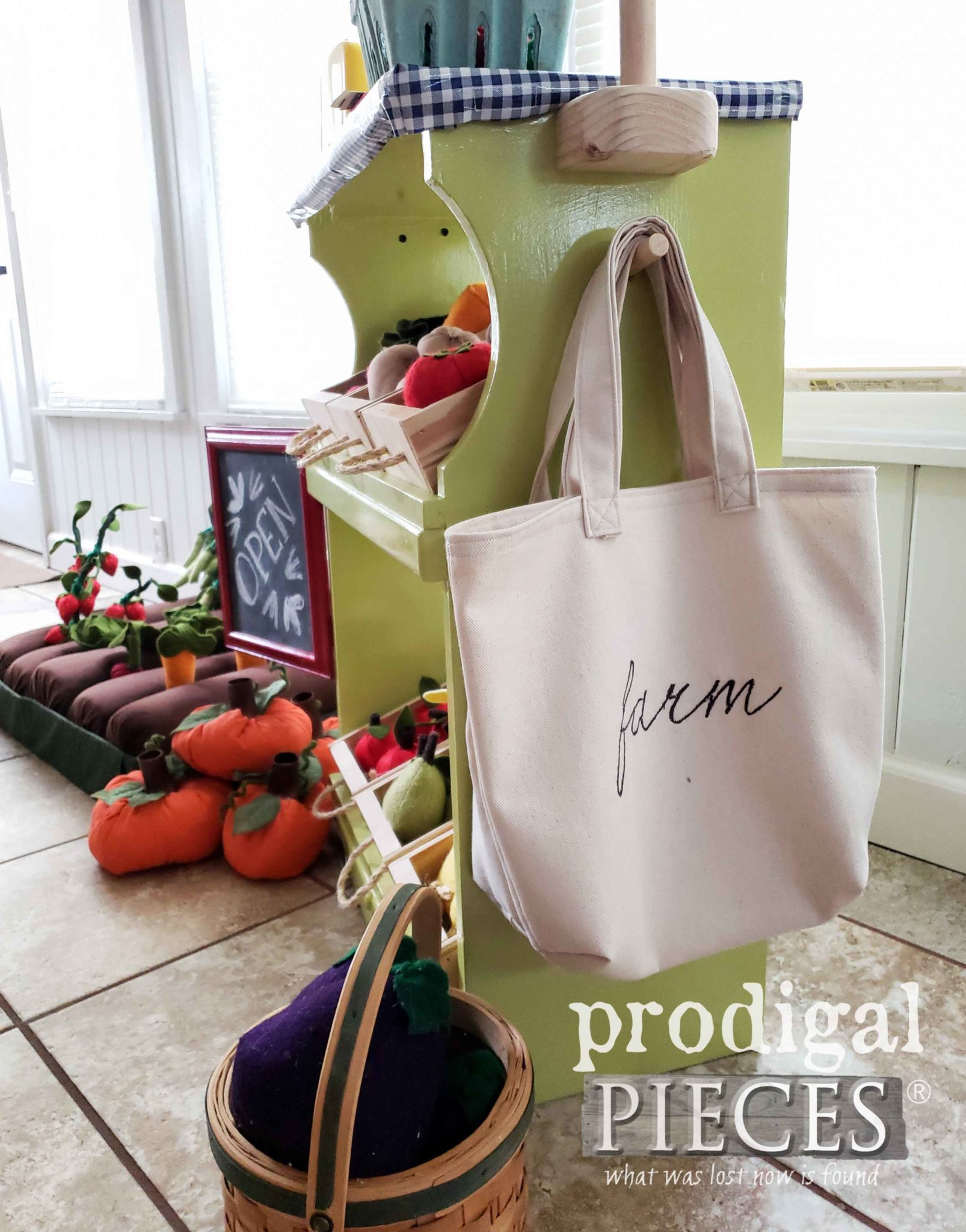 Embroidered Kids Pretend Play Farmer's Market Bags by Larissa of Prodigal Pieces | prodigalpieces.com