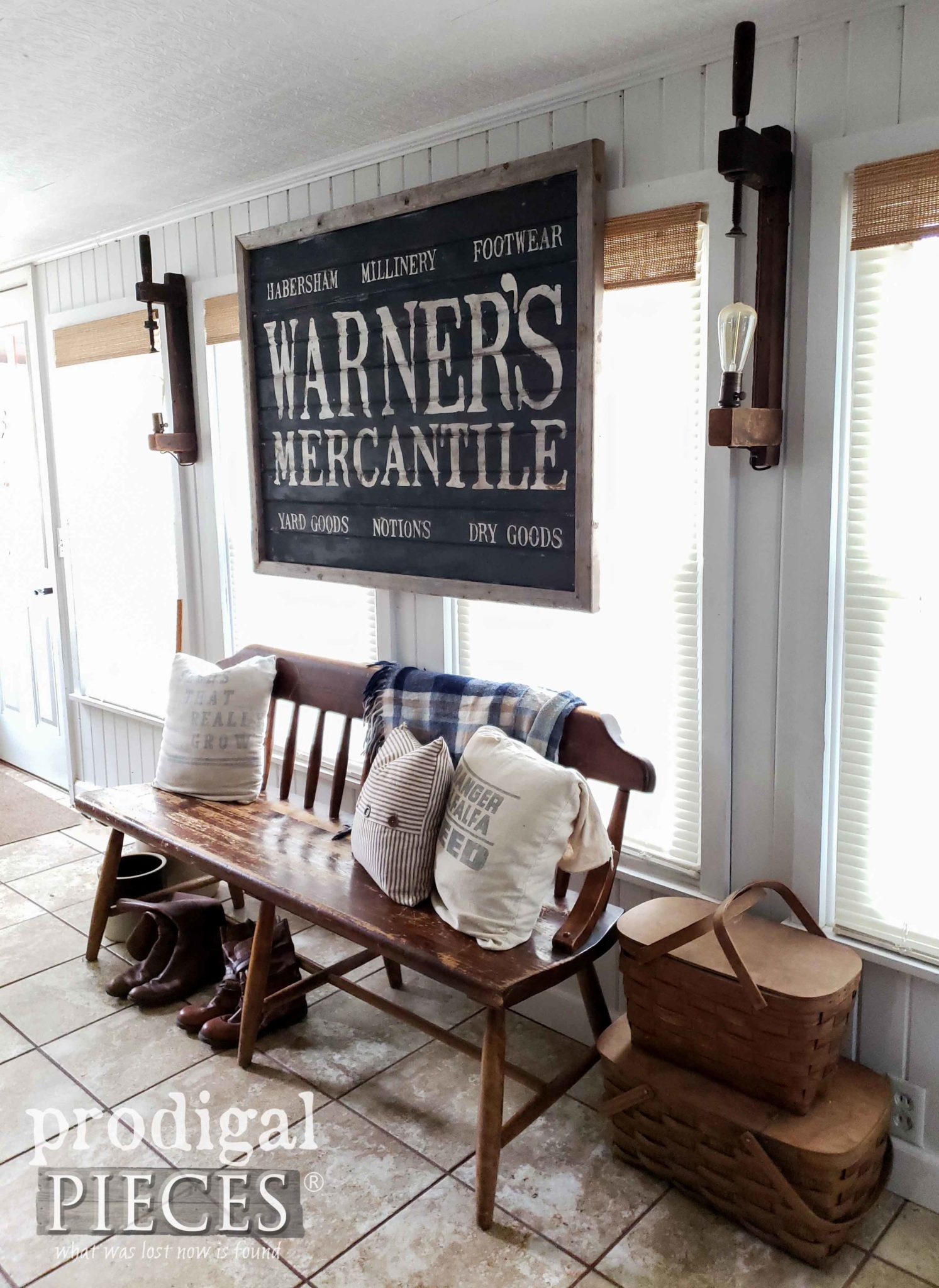 Create your own Farmhouse Style Decor with the Larissa of Prodigal Pieces | prodigalpieces.com