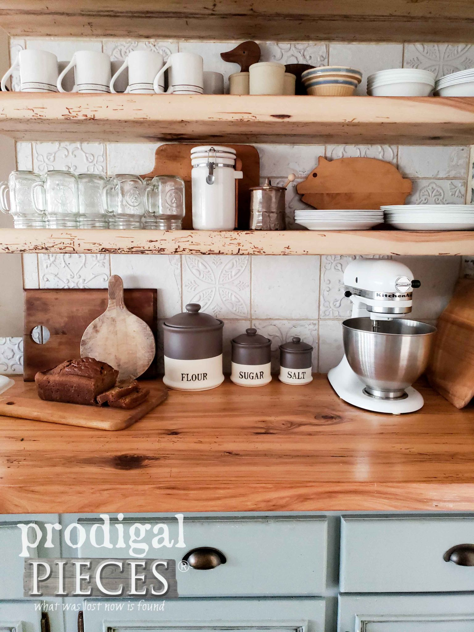 Farmhouse Style Kitchen with DIY decor by Larissa of Prodigal Pieces | prodigalpieces.com