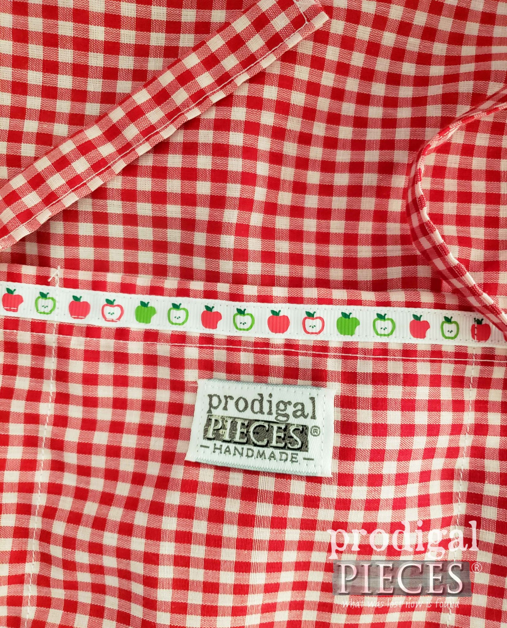 Handmade Child's Gingham Apron by Larissa of Prodigal Pieces | prodigalpieces.com