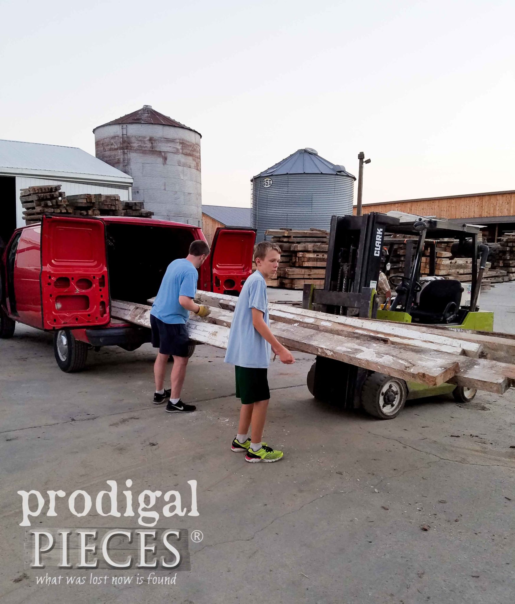 Loading Reclaimed Wood for Kitchen | prodigalpieces.com