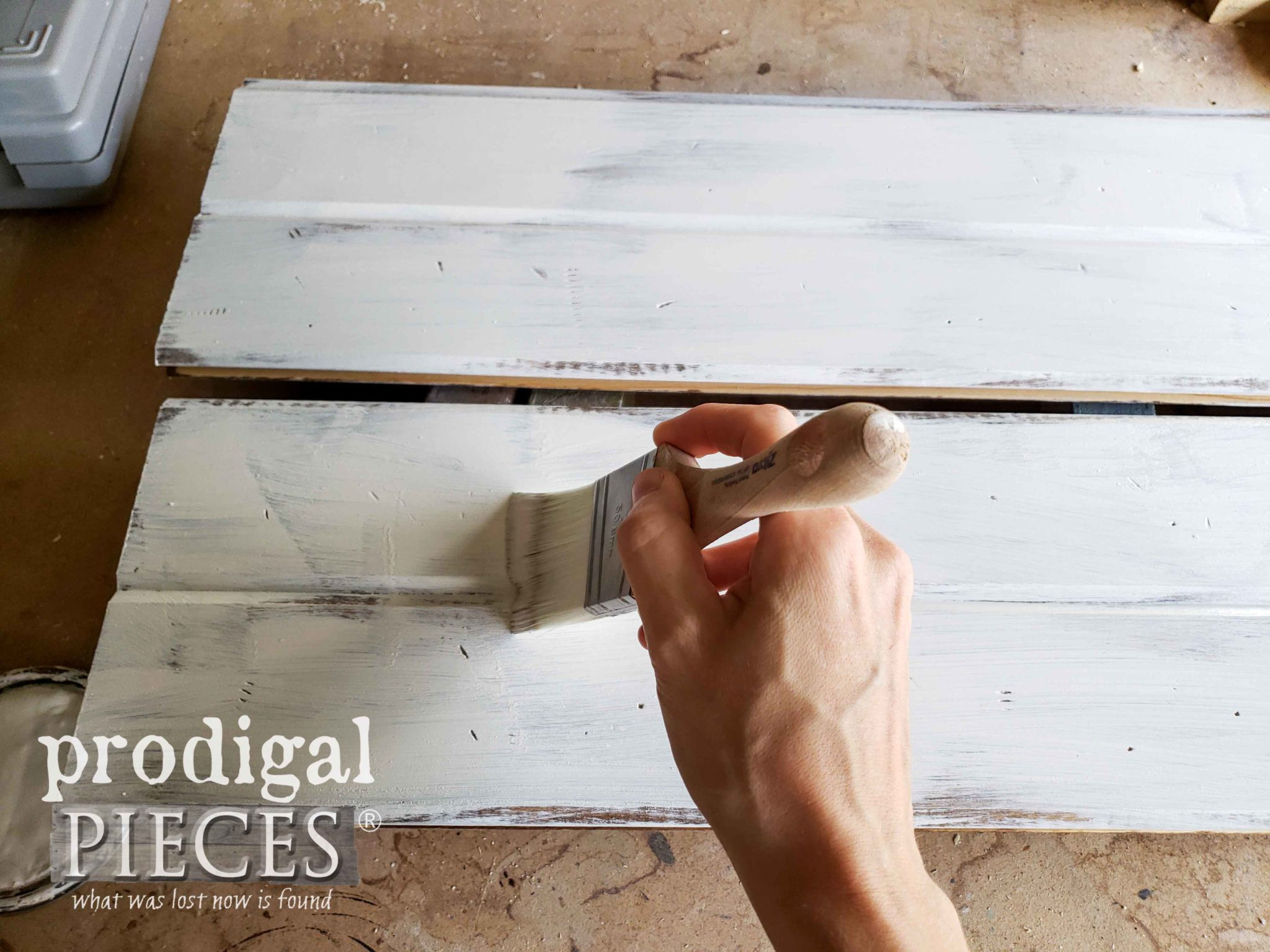 Painting Tongue & Groove Planks with Zibra Paint Brush | prodigalpieces.com