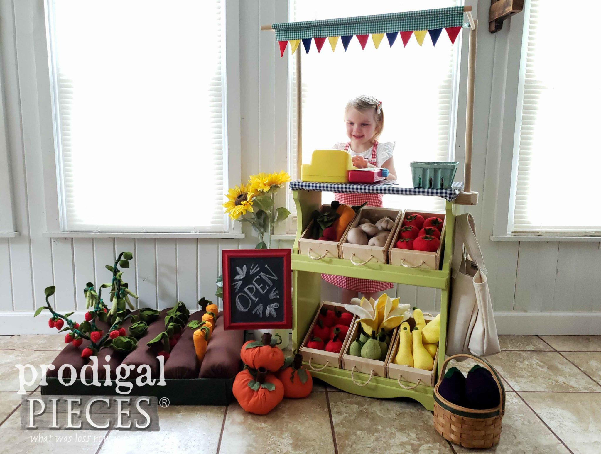 Absolutely adorable miniature pretend play farmer's market made from upcycled bookcase by Larissa of Prodigal Pieces | prodigalpieces.com