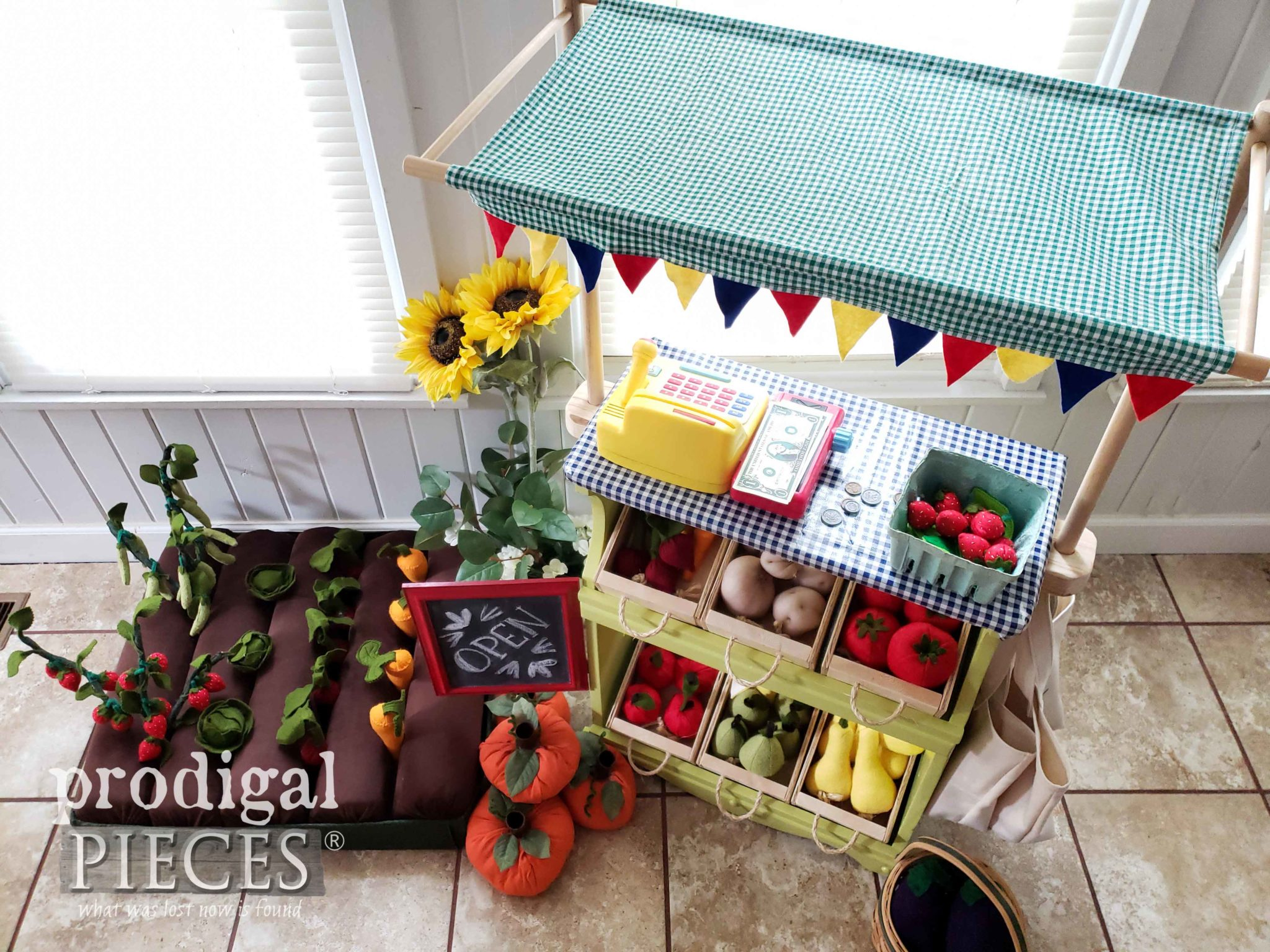 Top View of Handmade Farmer's Market by Larissa of Prodigal Pieces | prodigalpieces.com