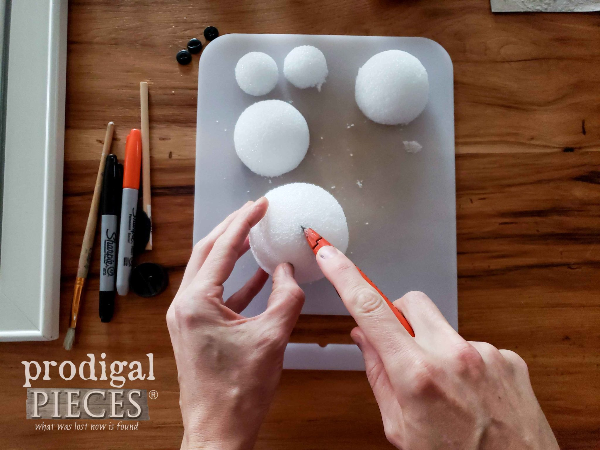 Cutting Styrofoam Balls | prodigalpieces.com