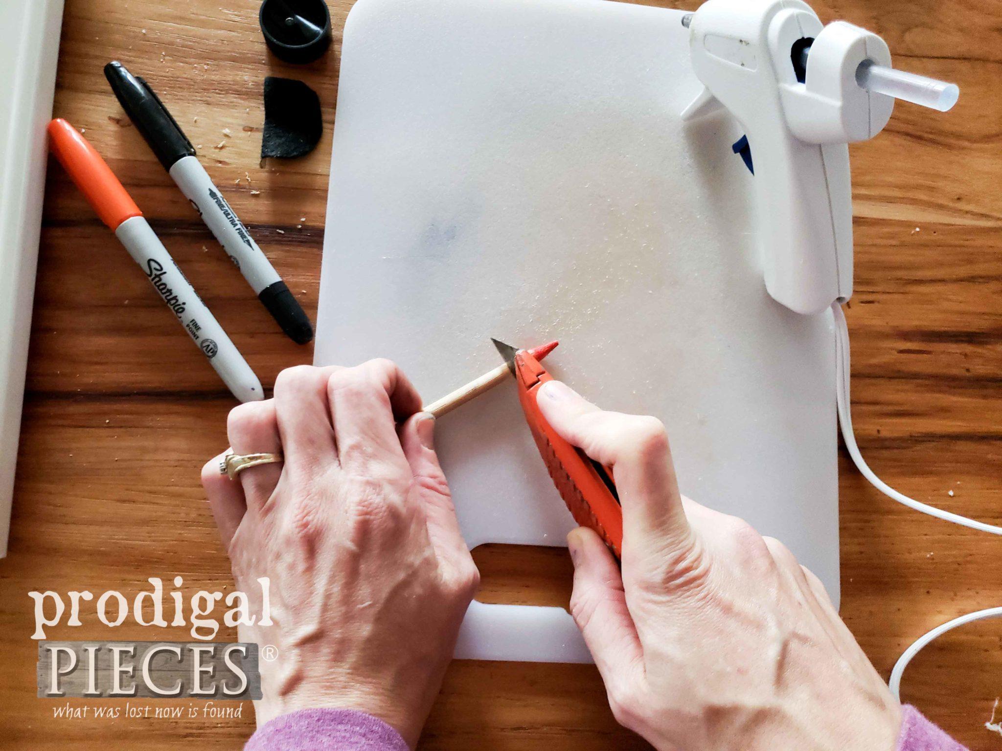 Cutting Snowman Nose | prodigalpieces.com