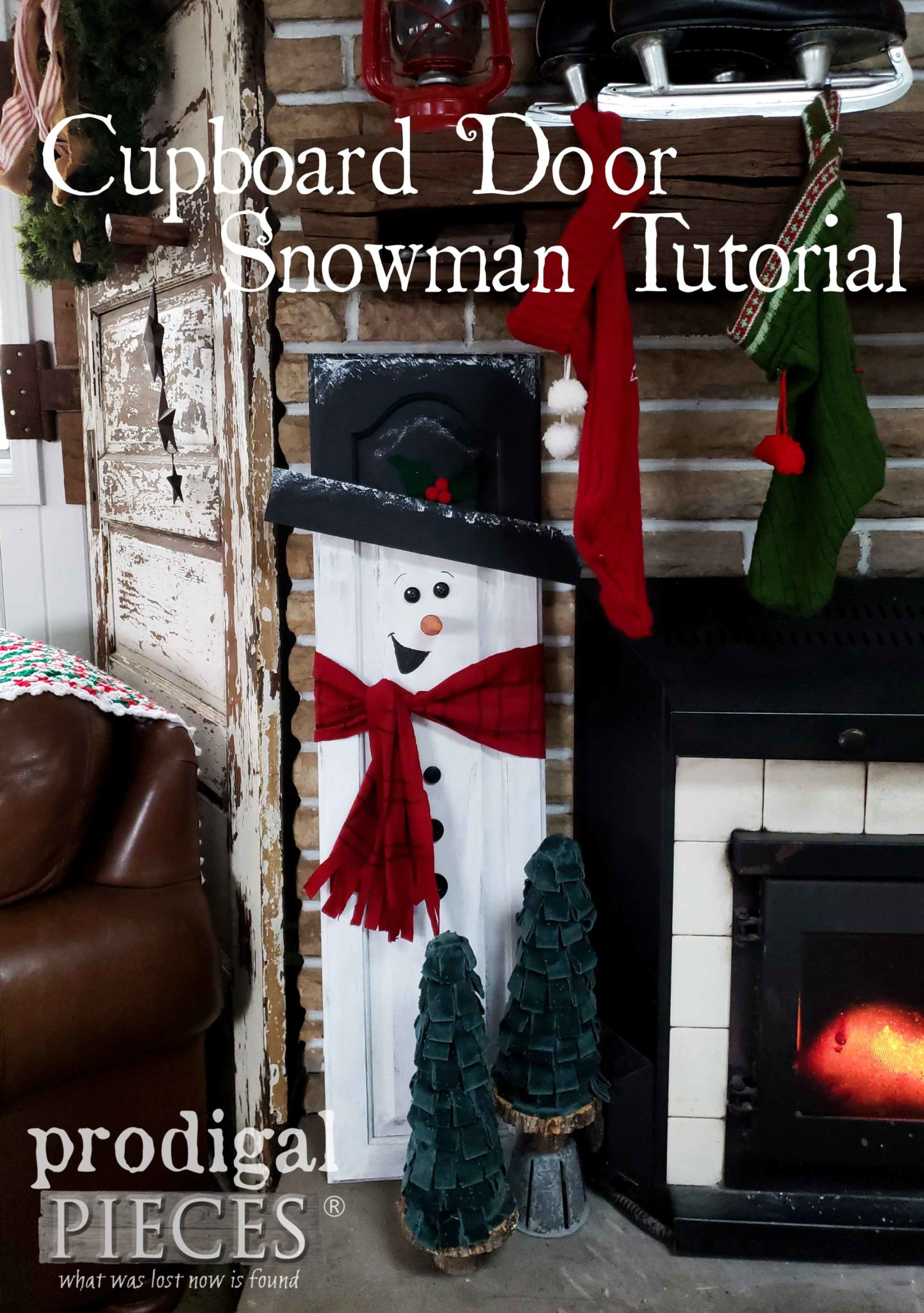 Create this DIY Cupboard Door Snowman with this Tutorial by Larissa of Prodigal Pieces | prodigalpieces.com #prodigalpieces #diy #handmade #christmas #home #homedecor #homedecorideas #gifts #giftideas