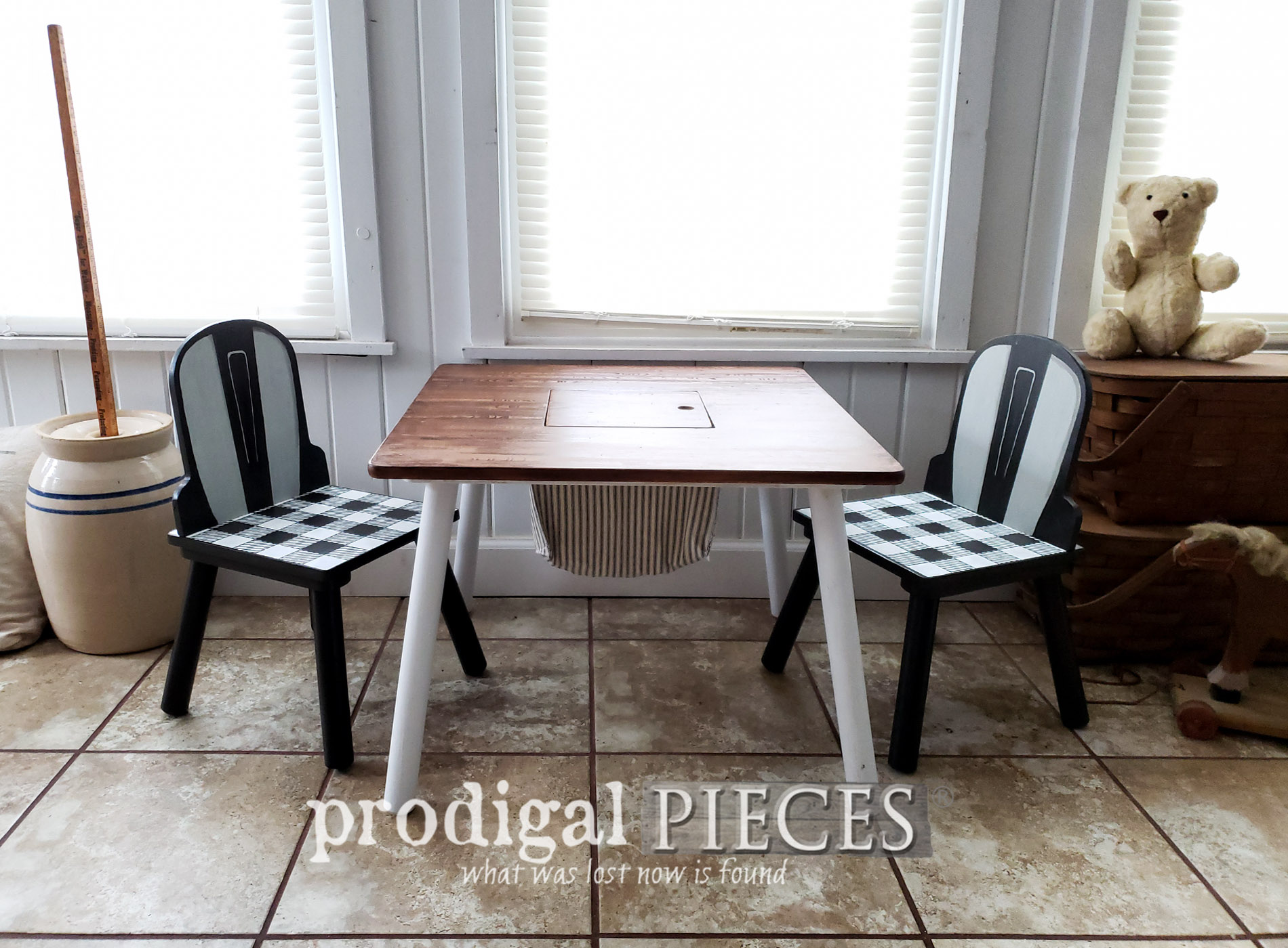 Featured Kids Play Table get Modern Farmhouse Makeover by Larissa of Prodigal Pieces | prodigalpieces.com