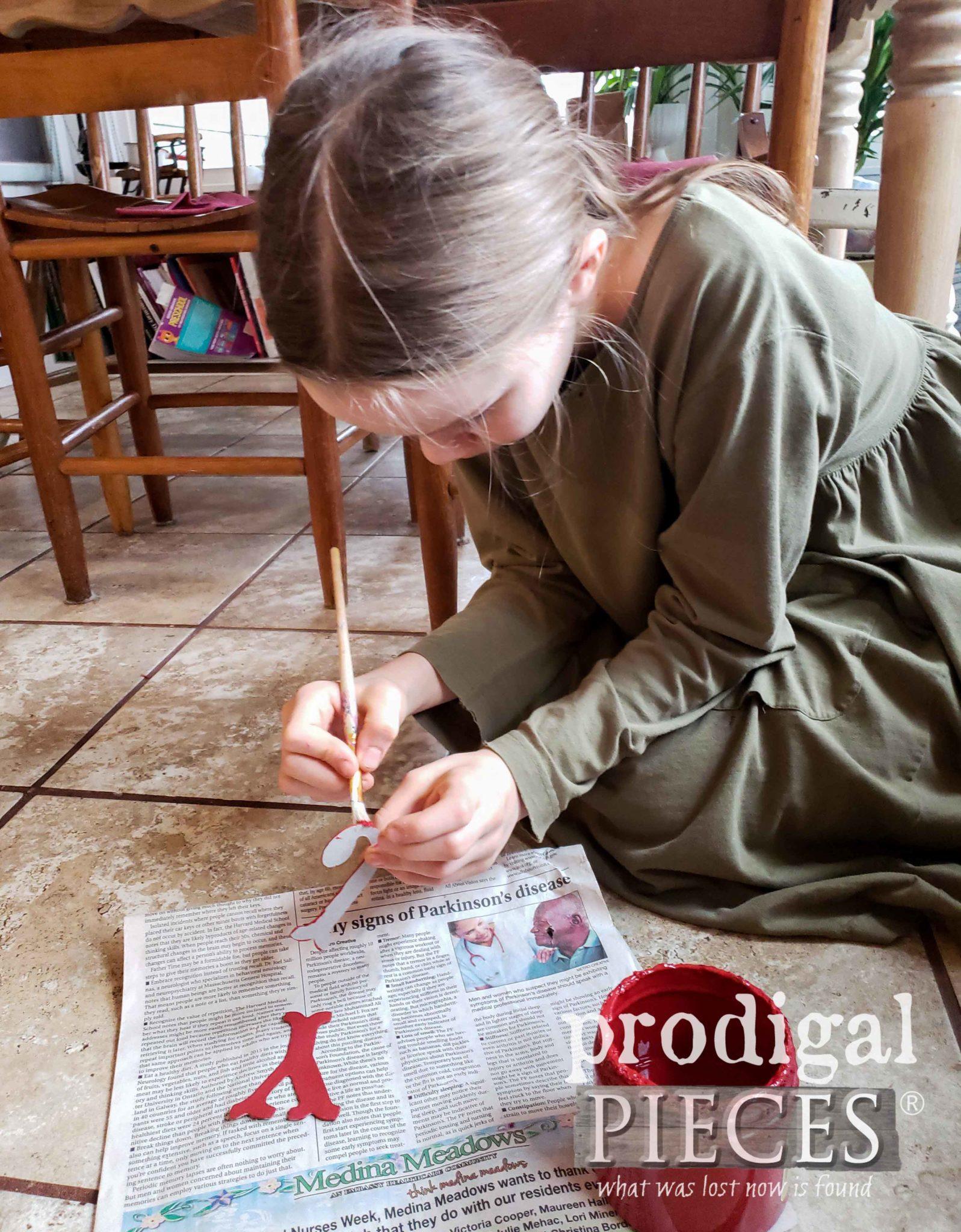 Painting Christmas JOY letters | prodigalpieces.com