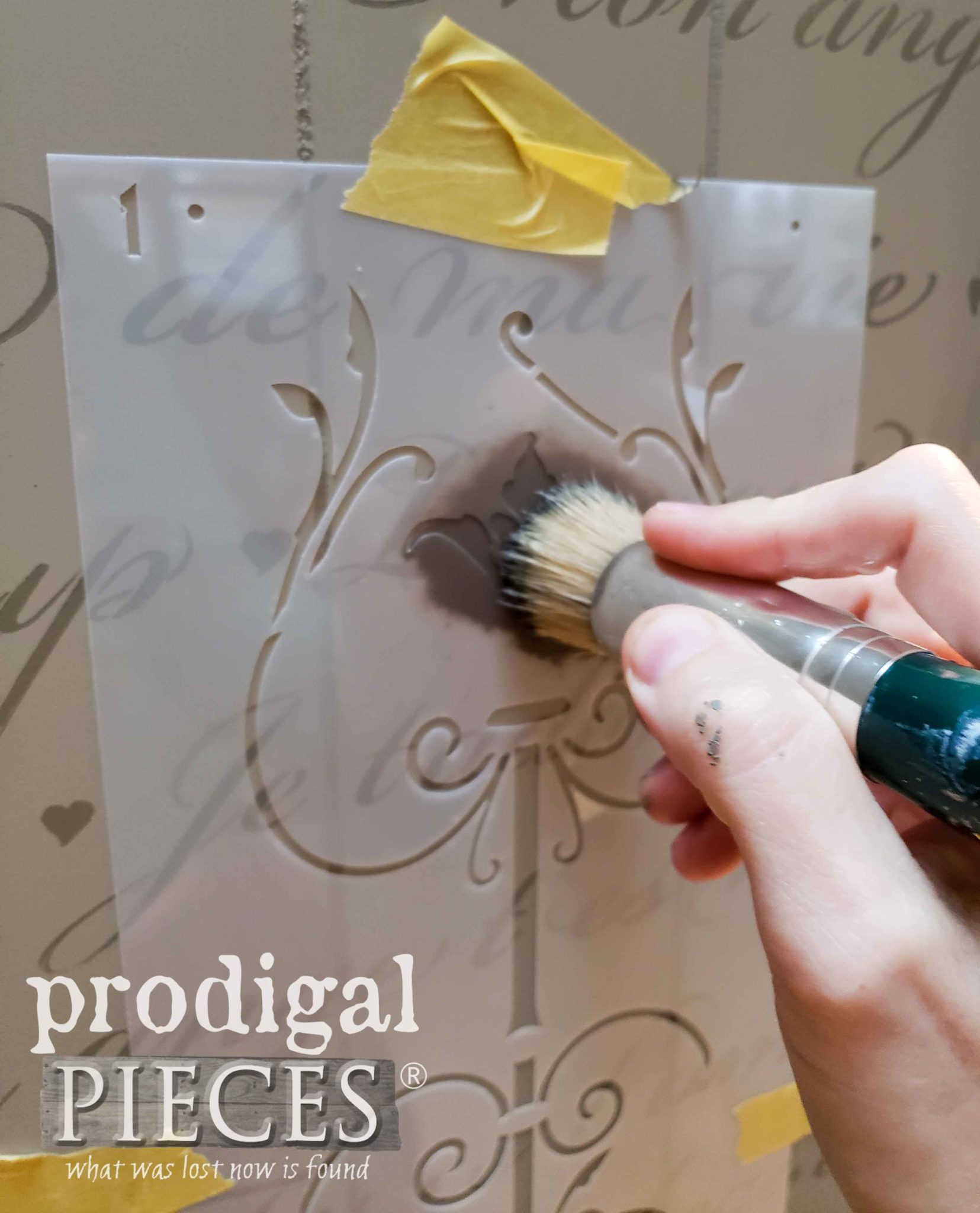 Stenciling Folding Screen Panels | prodigalpieces.com