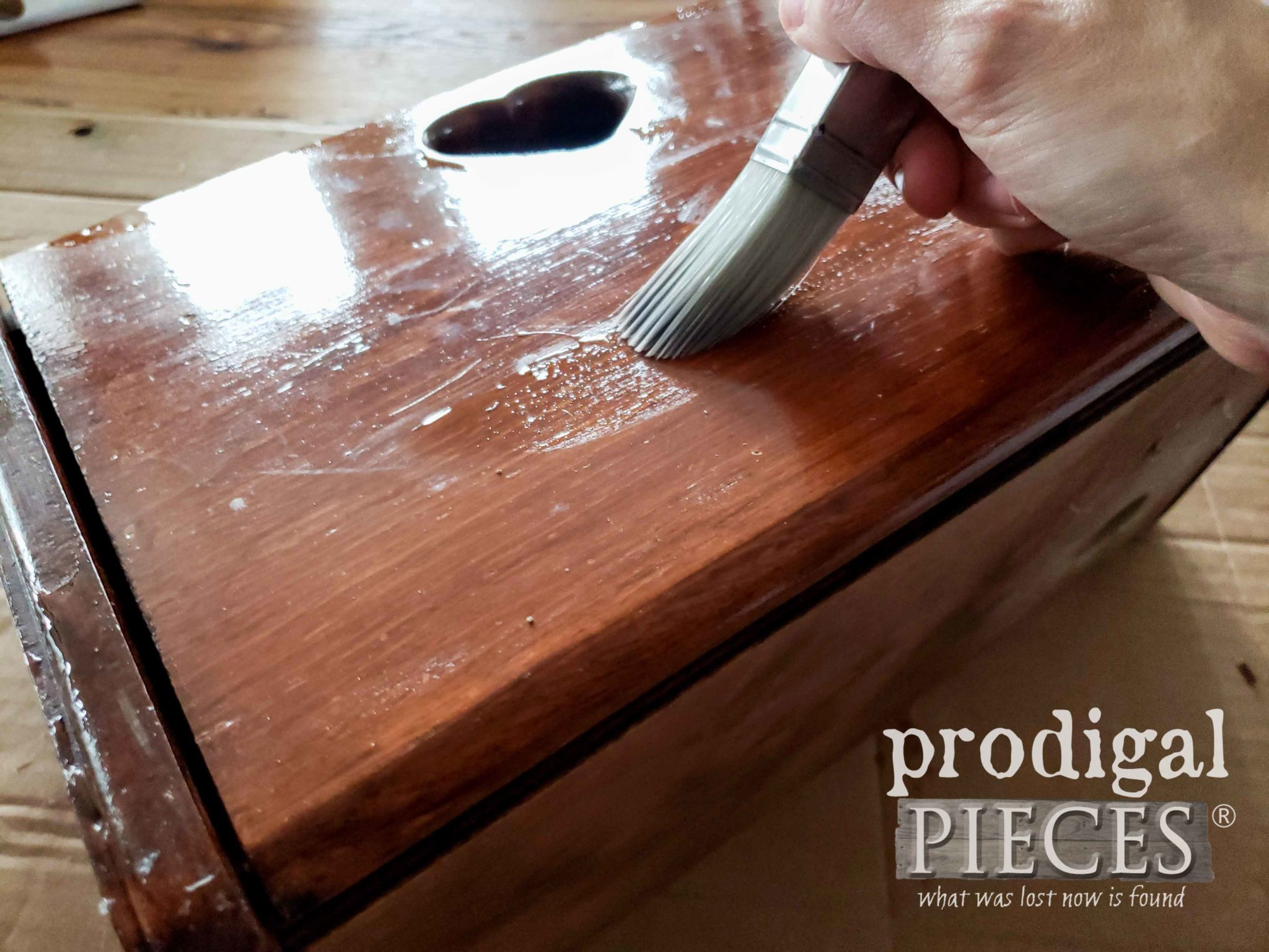 Applying Crackle Medium with Zibra Square Brush | prodigalpieces.com