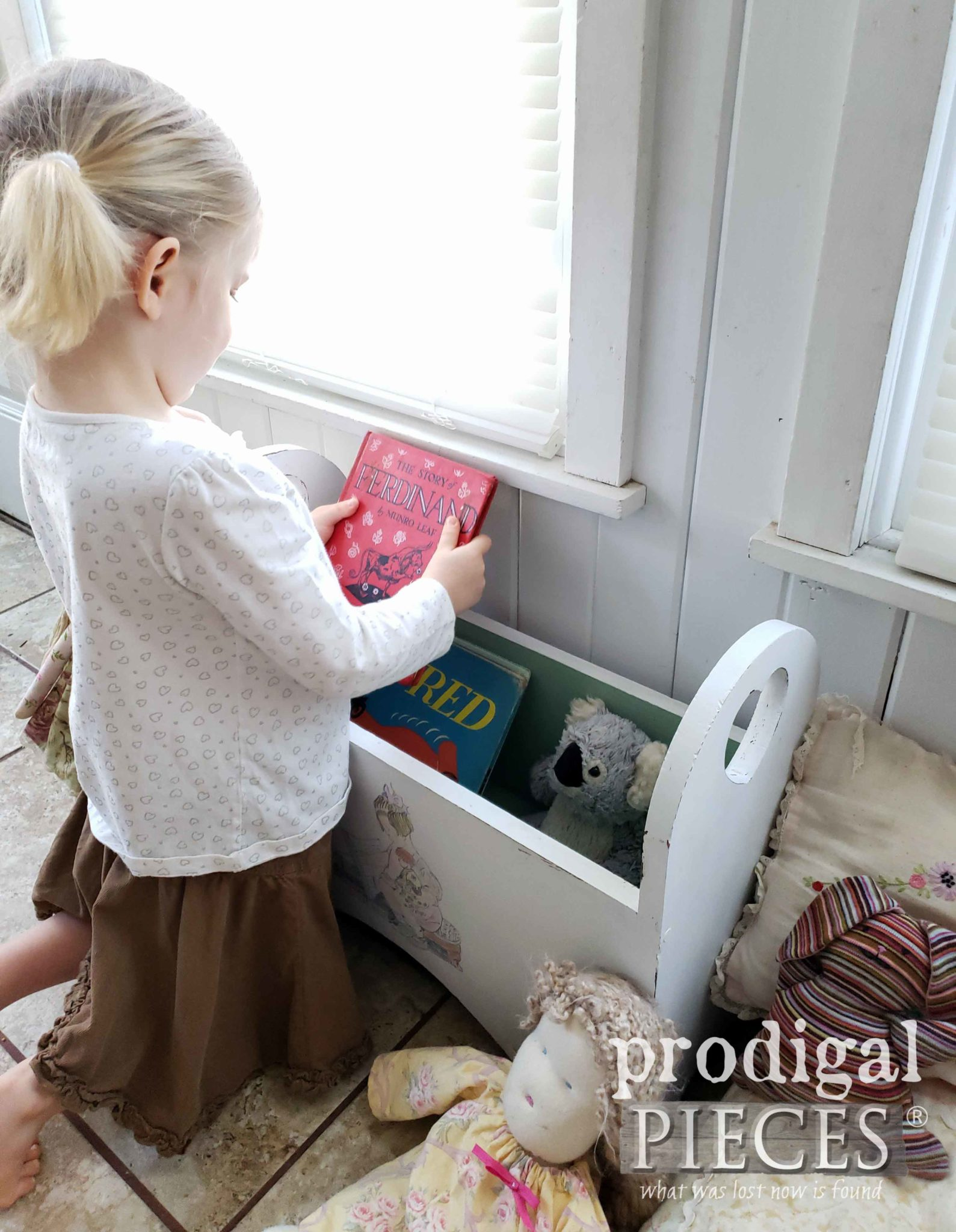 Book & Toy Storage Bench for Kids by Larissa of Prodigal Pieces | prodigalpieces.com