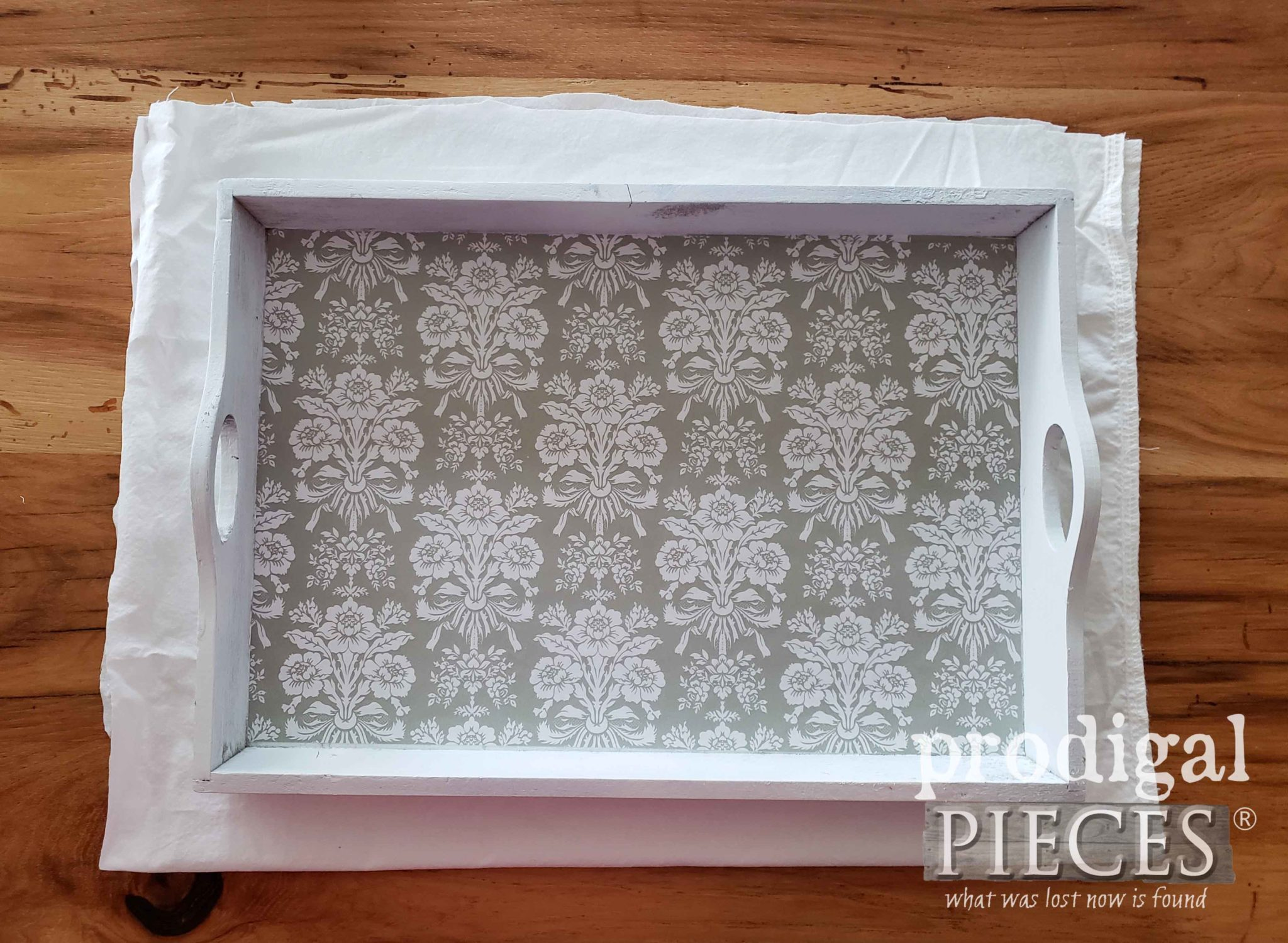 Upcycled Christmas Tray Tutorial by Larissa of Prodigal Pieces | prodigalpieces.com