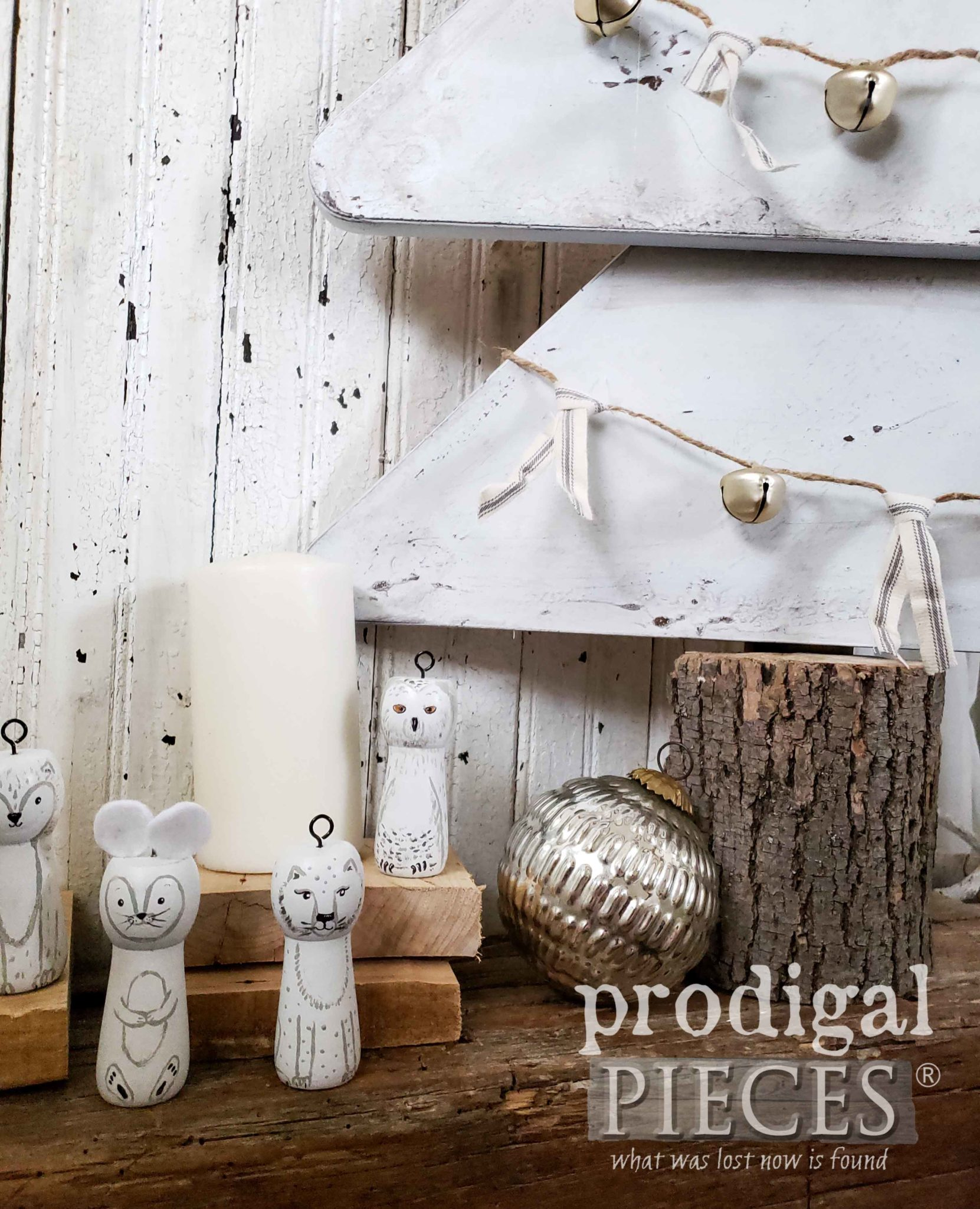Rustic Farmhouse Christmas Decor Handmade by Larissa of Prodigal Pieces | prodigalpieces.com