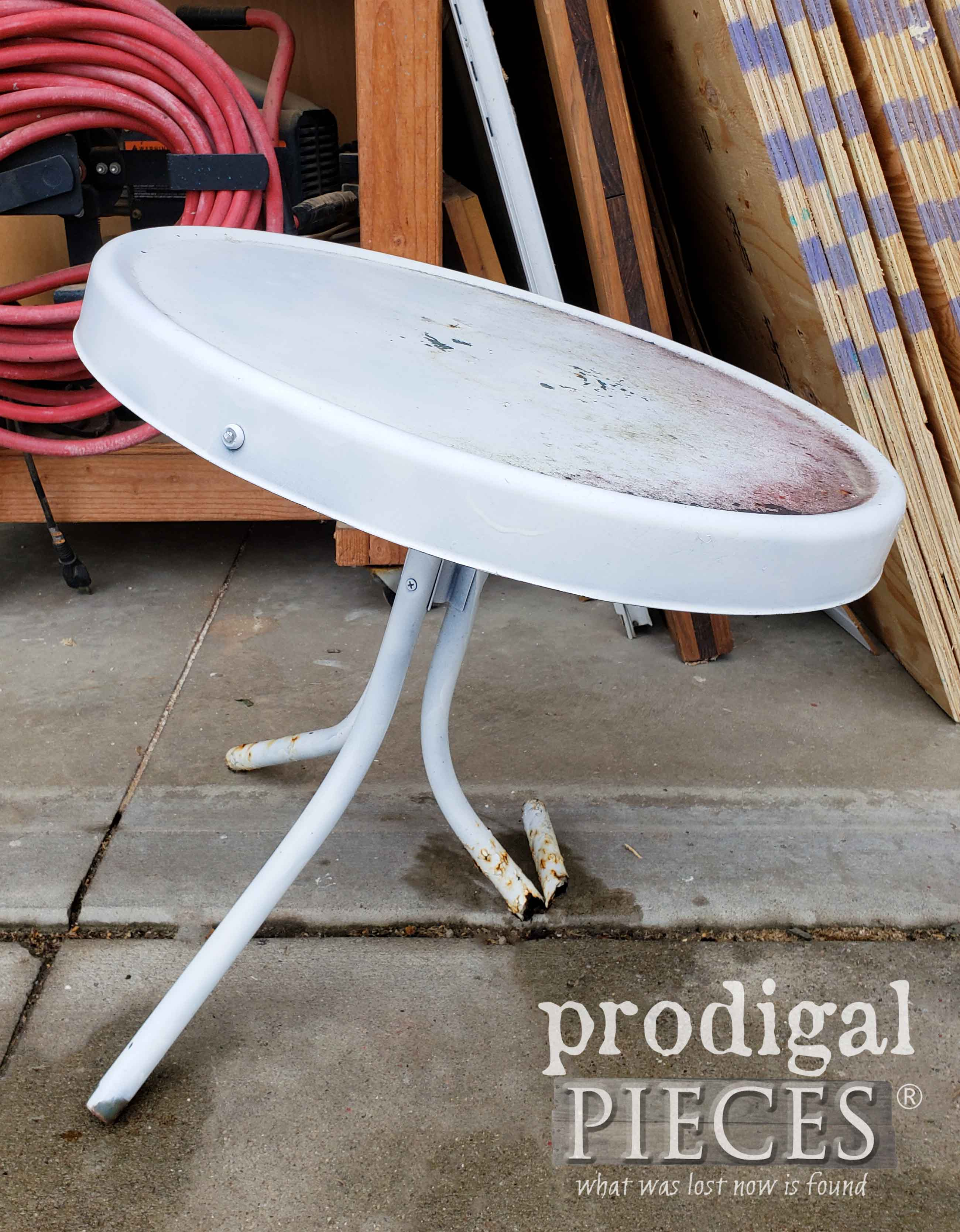 Metal Table Found in Trash | prodigalpieces.com