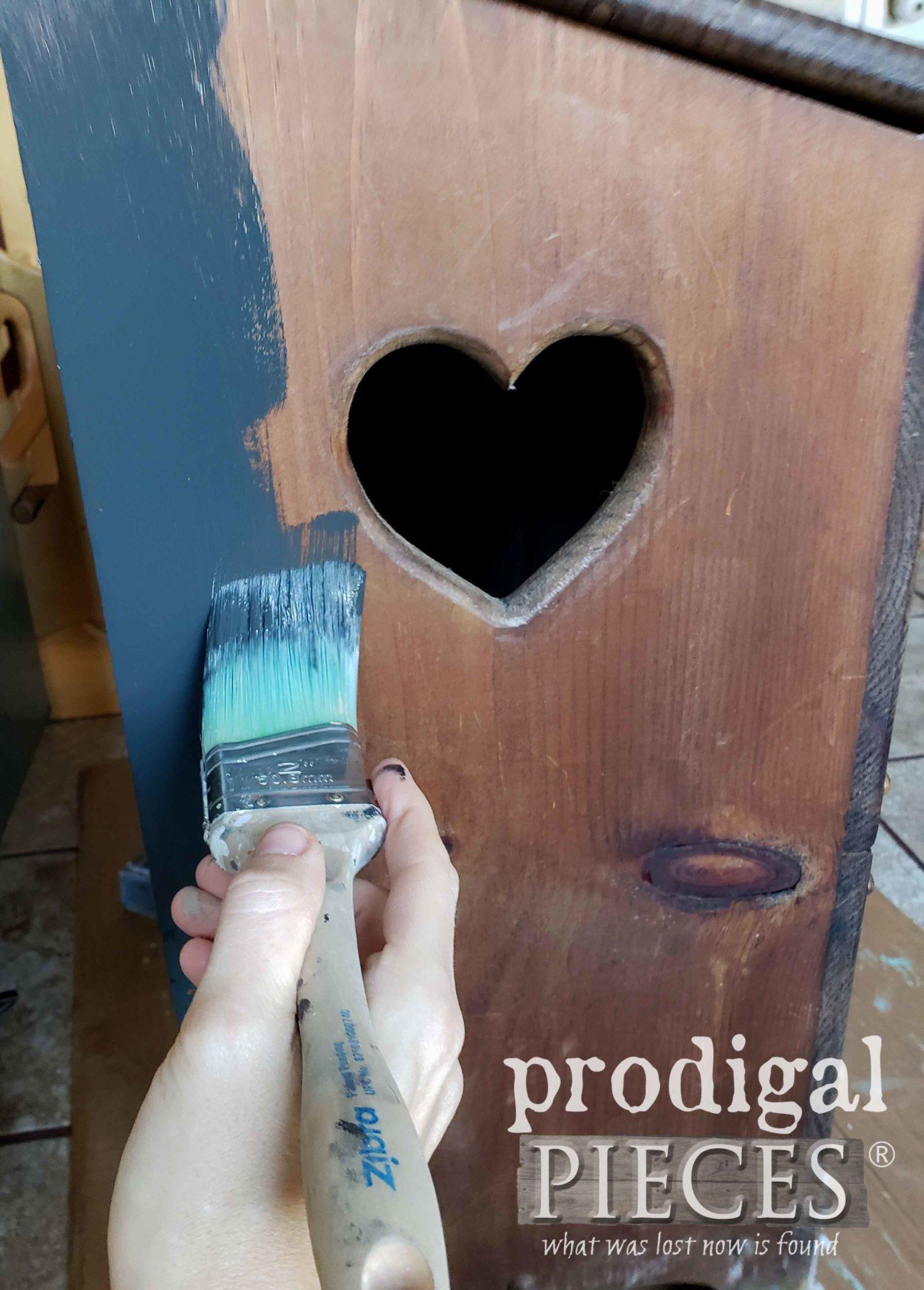Painting Farmhouse Laundry Bin   prodigalpieces.com