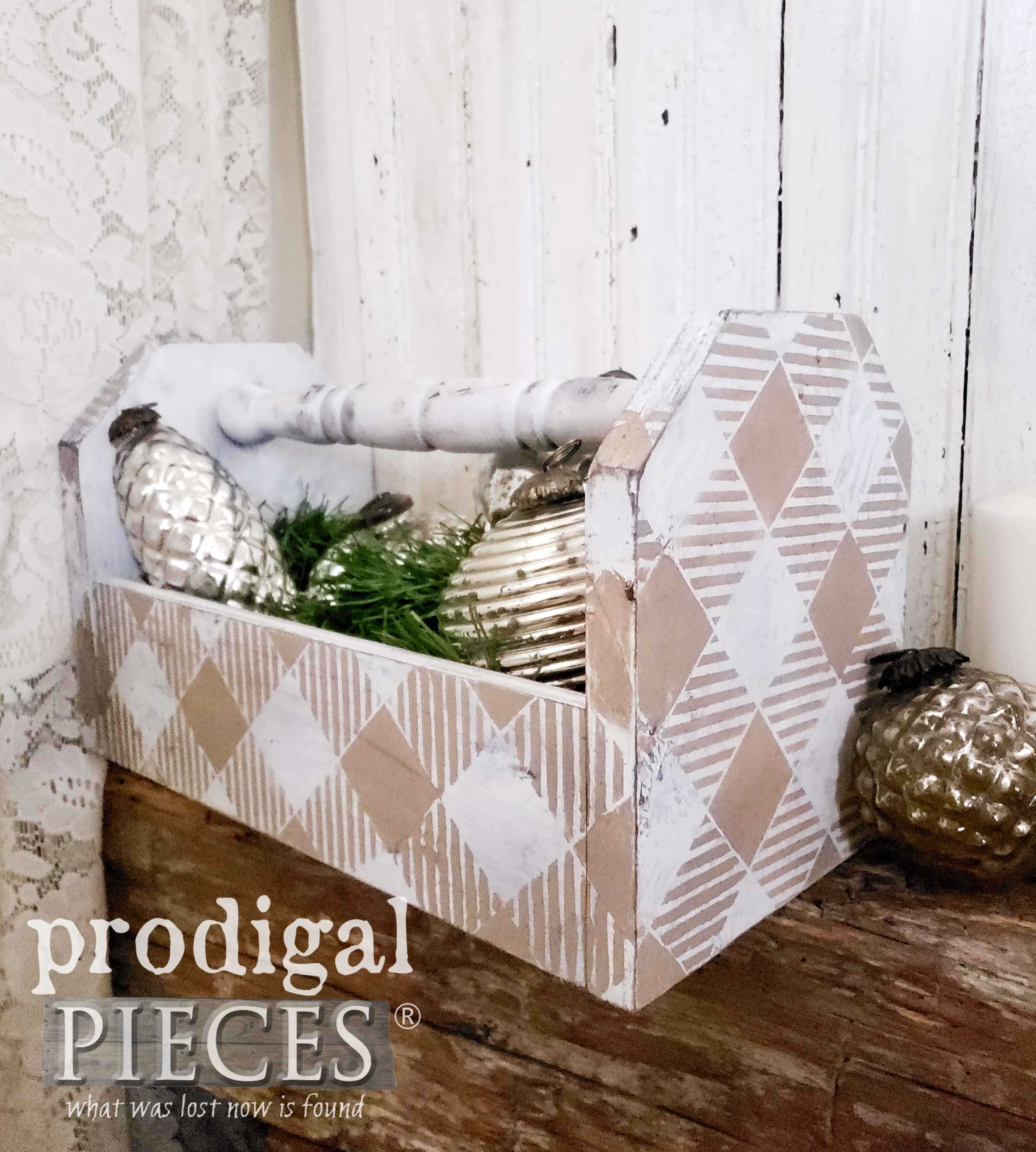 Reclaimed Wood Tote with Buffalo Check Style by Larissa of Prodigal Pieces | prodigalpieces.com