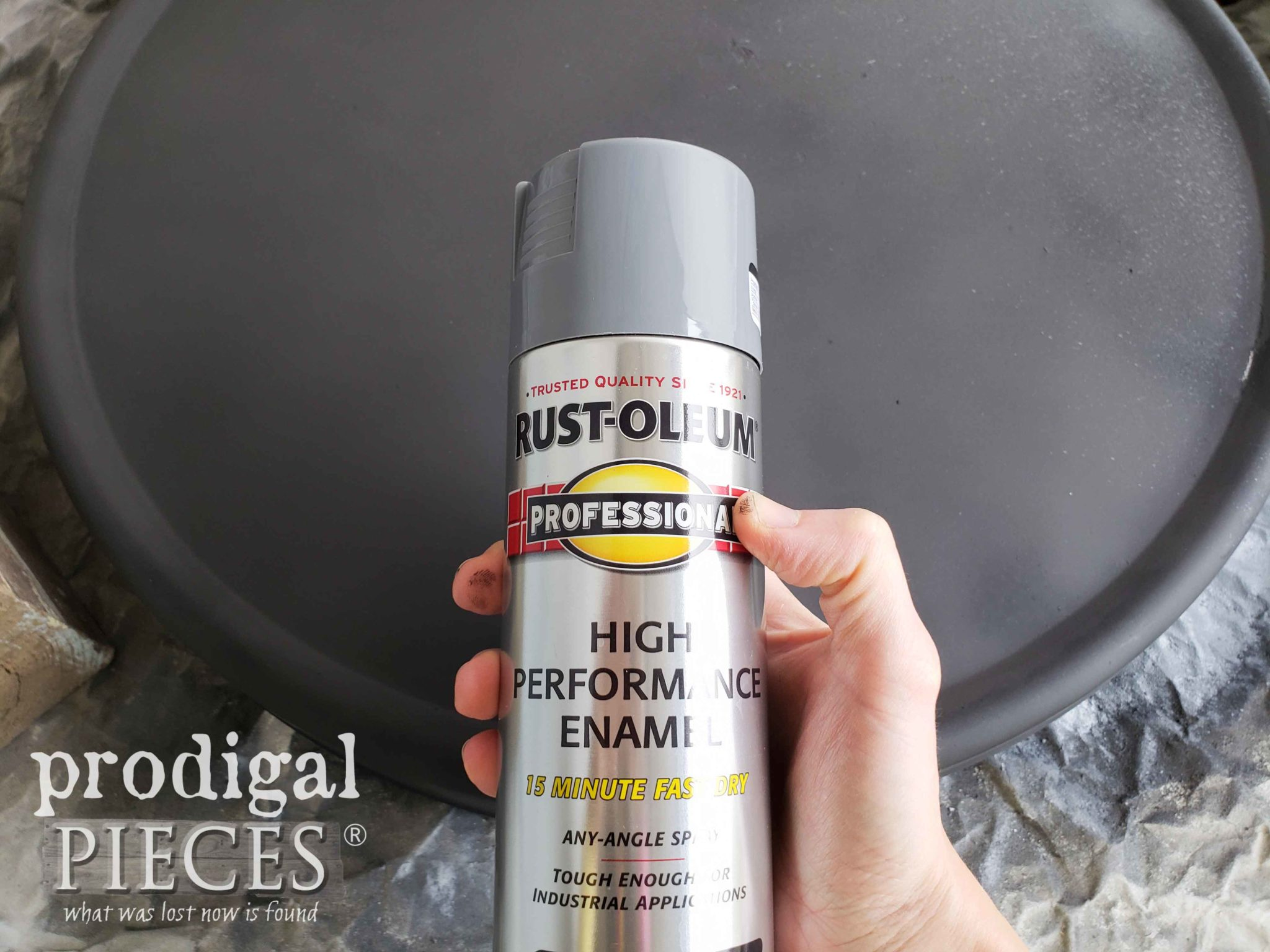 Rustoleum High Performance Spray Enamel for Farmhouse Tray | prodigalpieces.com