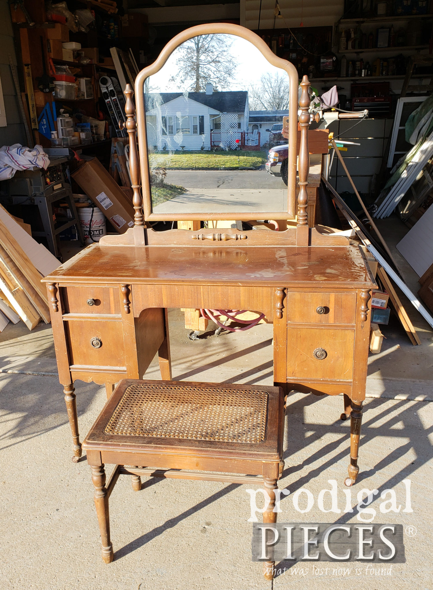 Antique Dressing Table Before Makeover by Larissa of Prodigal Pieces | prodigalpieces.com