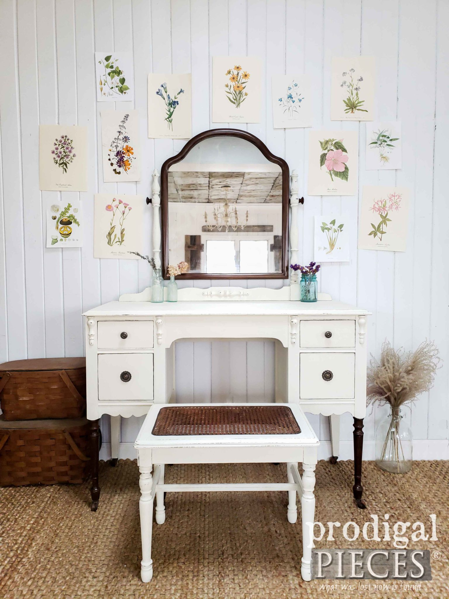 Farmhouse Style Antique Dressing Table Set Restored by Larissa of Prodigal Pieces | prodigalpiecdes.com #prodigalpieces #furniture #farmhouse #diy #home #homedecor #homedecorideas #shopping #vintage