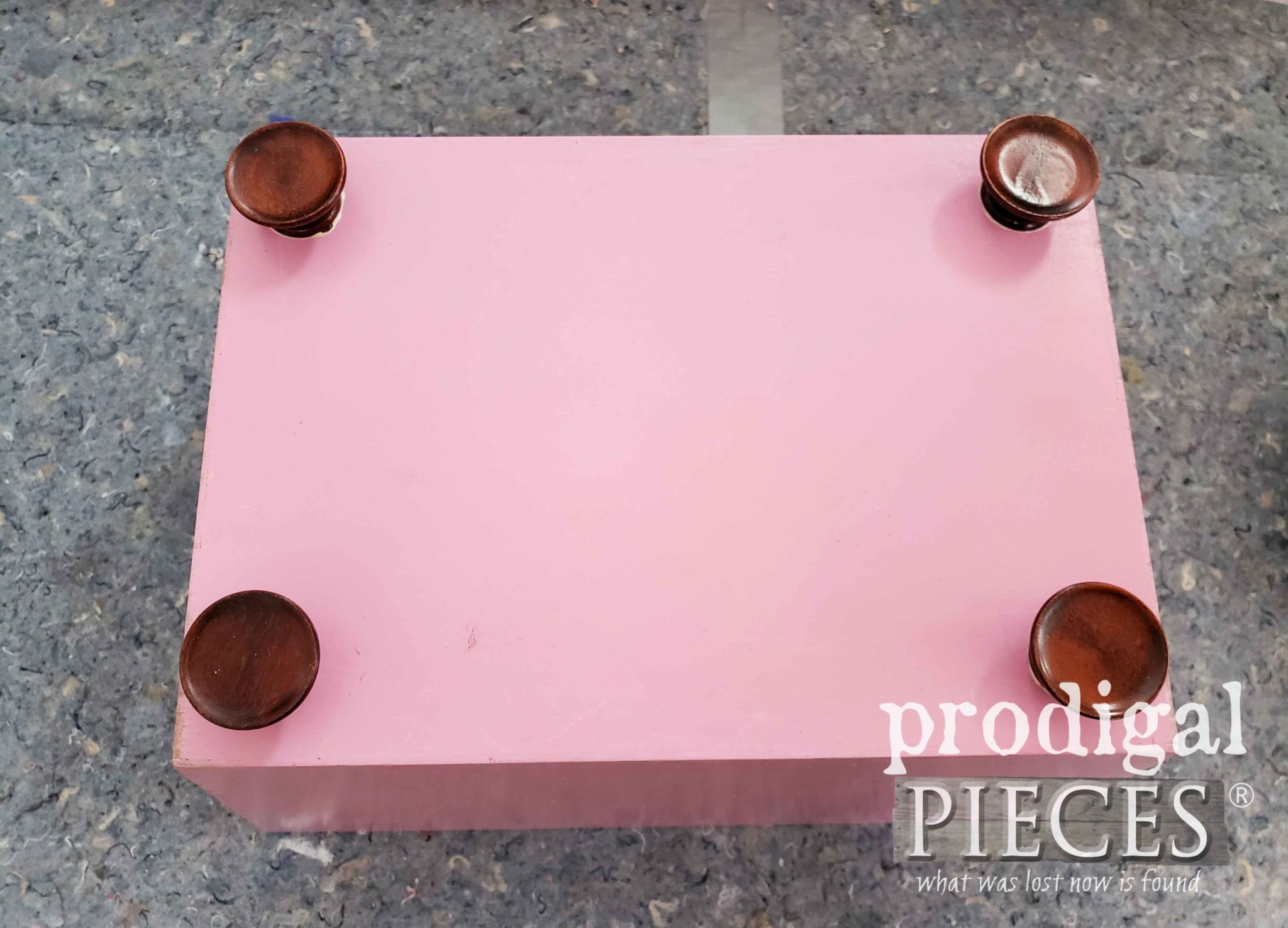 Attaching Knob Feet to Bin | prodigalpieces.com
