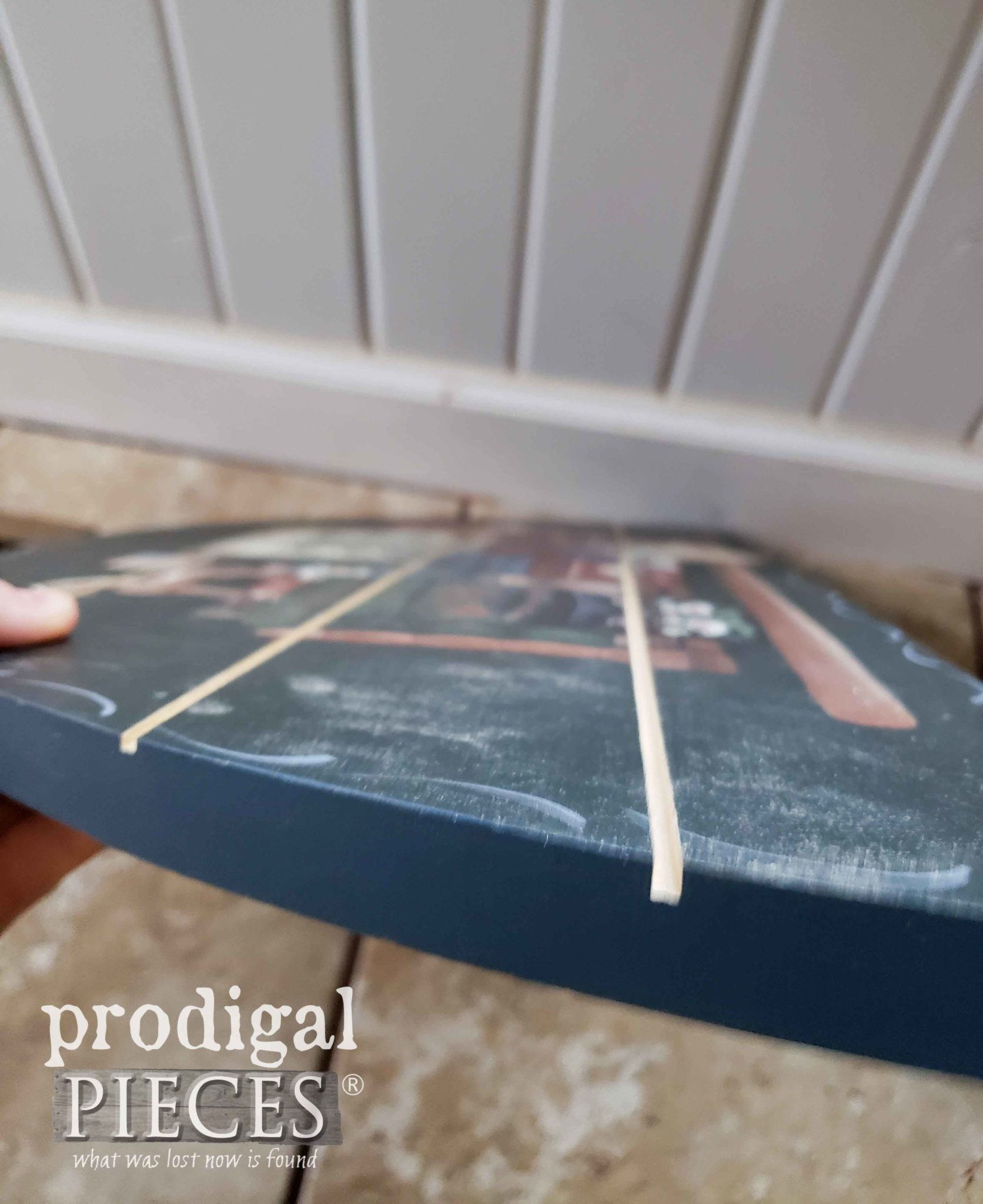 DIY Faux Planked Sign by Prodigal Pieces | prodigalpieces.com