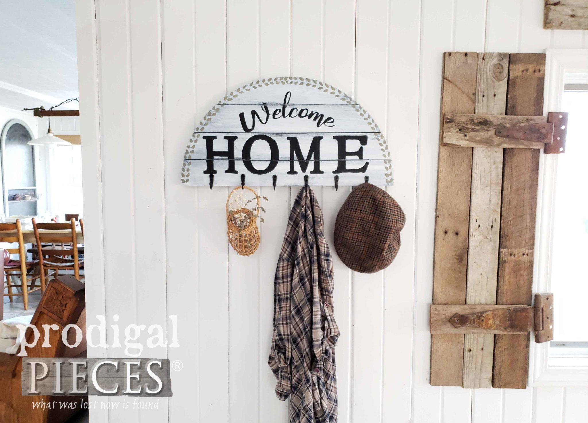 Modern Farmhouse Coat Rack DIY Tutorial by Larissa of Prodigal Pieces | Head to prodigalpieces.com #prodigalpieces #handmade #homedecor #farmhouse #home #shopping #homedecorideas