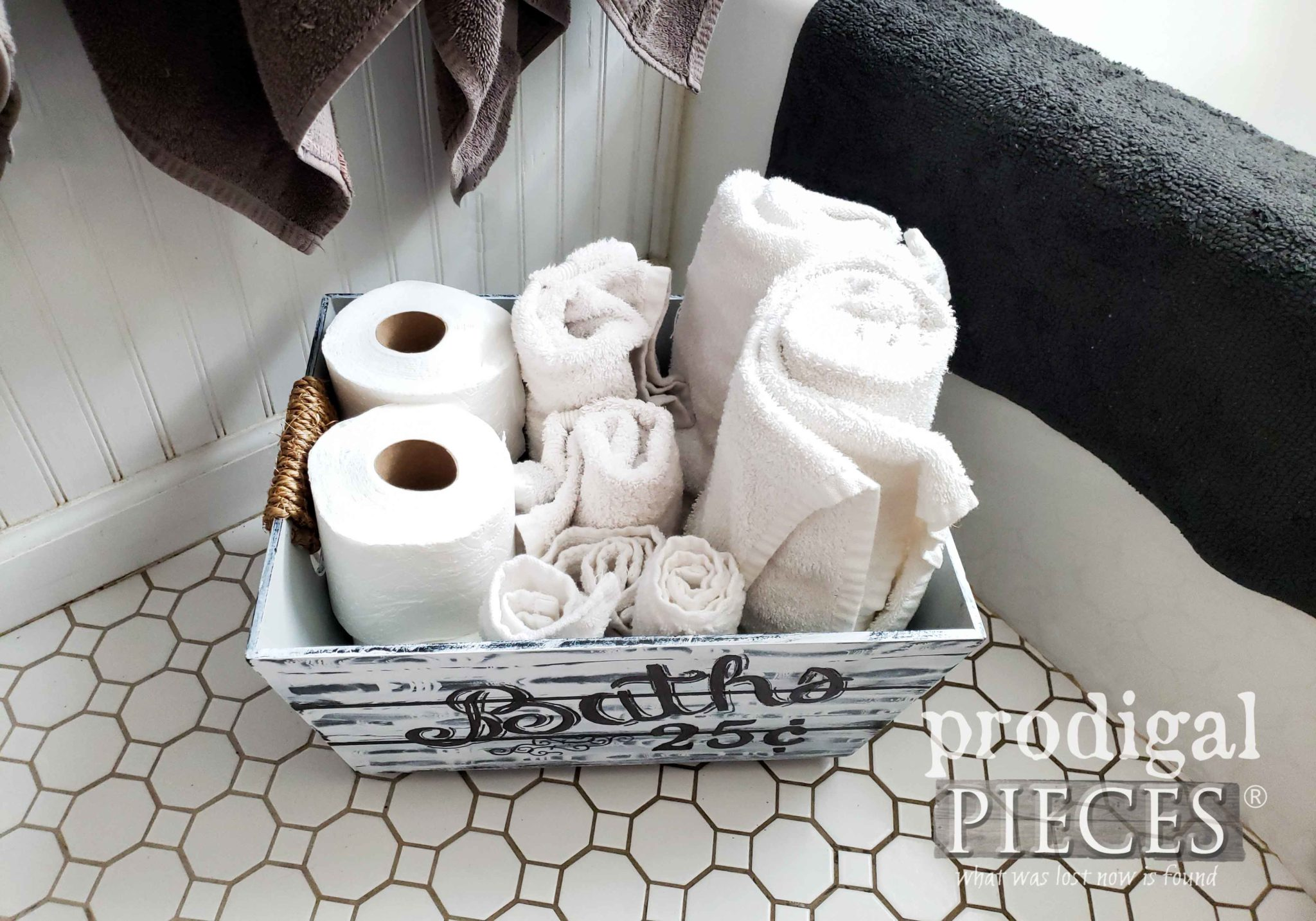 DIY Farmhouse Towel Holder Bin by Larissa of Prodigal Pieces | prodigalpieces.com #prodigalpieces #diy #farmhouse #home #shopping #homedecor #homedecorideas #vintage