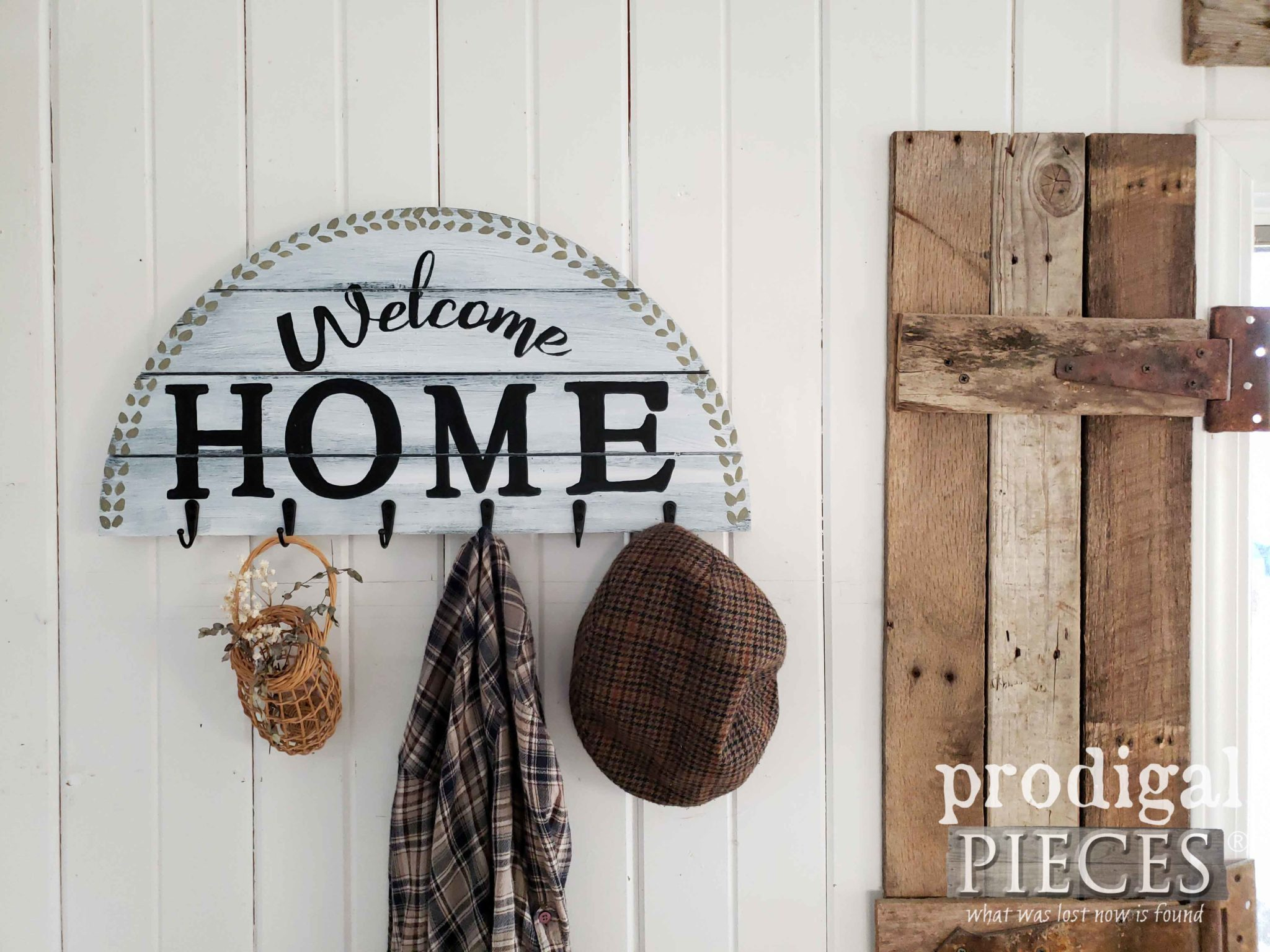 Farmhouse DIY Welcome Sign Coat Rack by Larissa of Prodigal Pieces | prodigalpieces #prodigalpieces #home #farmhouse #diy #handmade #homedecor #homedecorideas #shopping