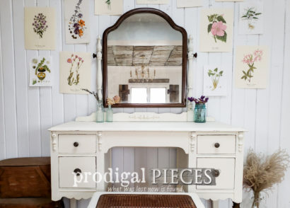 Featured Antique Dressing Table Set Makeover and Refresh by Larissa of Prodigal Pieces | Details at prodigalpieces.com #prodigalpieces #diy #furniture #farmhouse #home #homedecor #homedecorideas #shopping