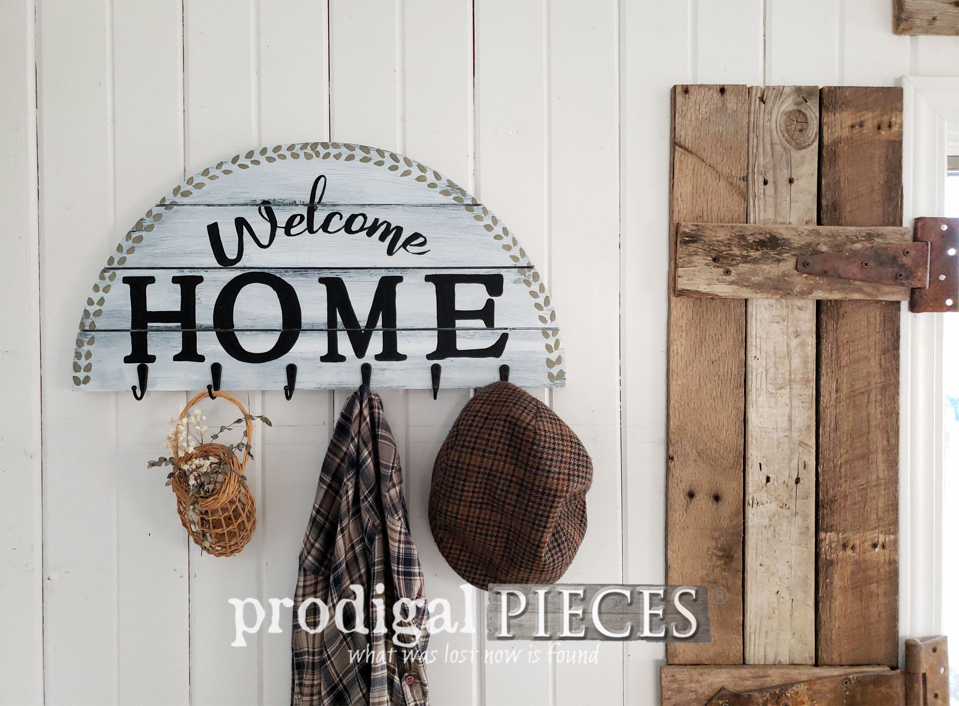 Featured DIY Welcome Sign Coat Rack Made from an Upcycled Thrift Store Find | Details at Prodigal Pieces | prodigalpieces.com #prodigalpieces