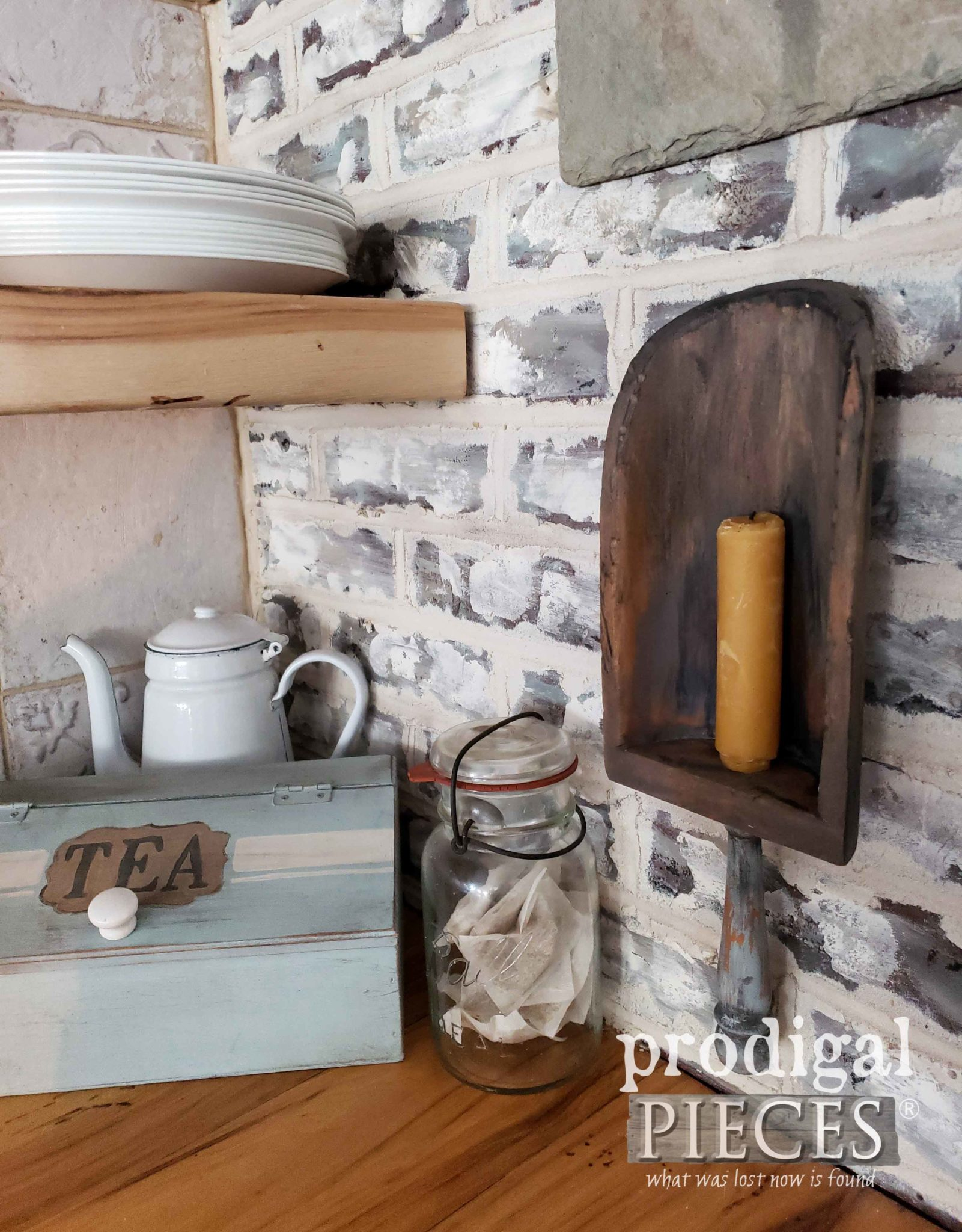 Handmade Farmhouse Kitchen Decor and Storage by Larissa of Prodigal Pieces | prodigalpieces #prodigalpieces #farmhouse #handmade #shopping #diy #vintage #home #homedecor #homedecorideas