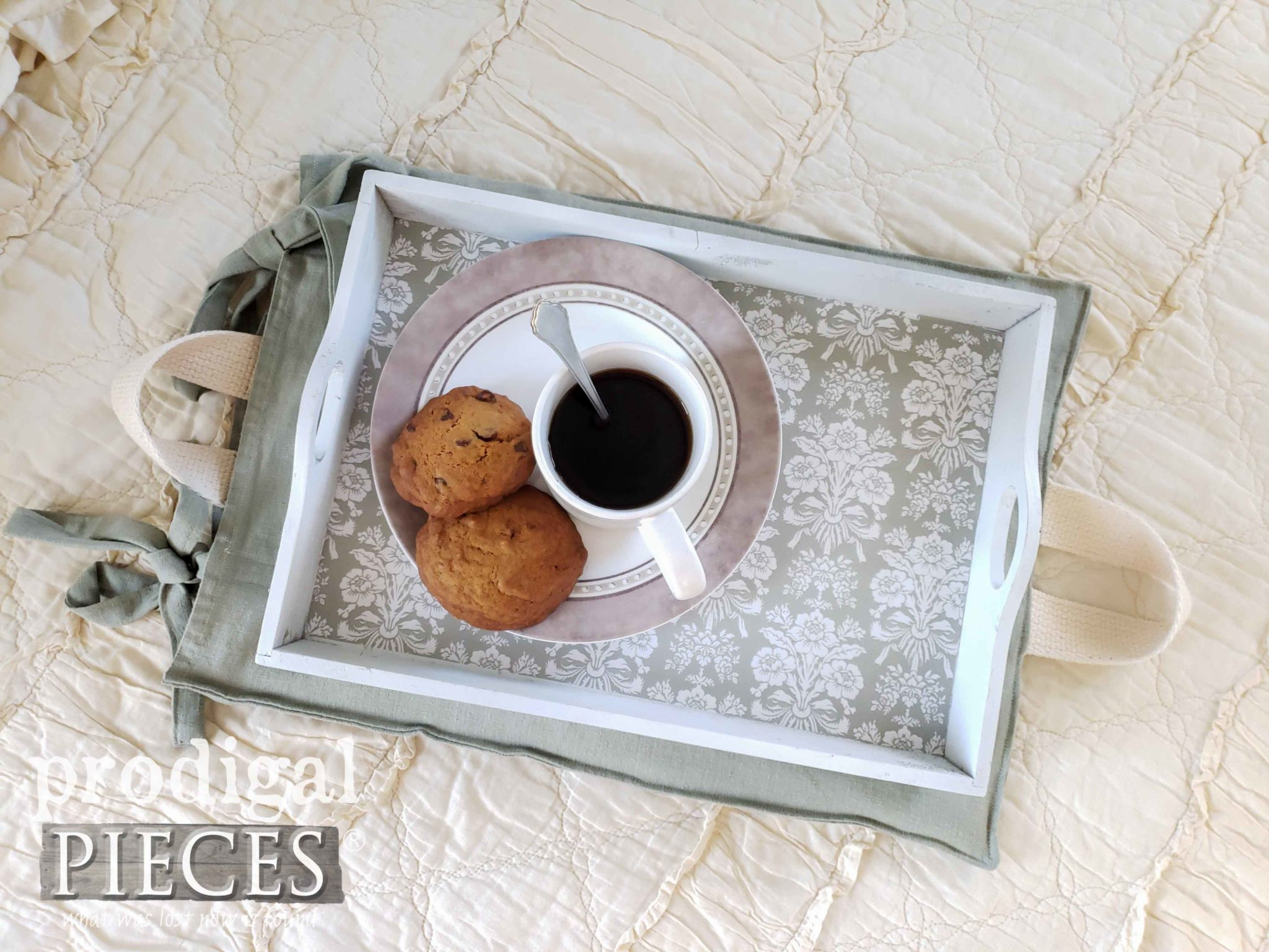 Beautiful Upcycled Christmas Tray into Home Decor with Heated Pillow by Larissa of Prodigal Pieces | prodigalpieces.com #prodigalpieces #diy #handmade #home #homedecor #homedecorideas #farmhouse