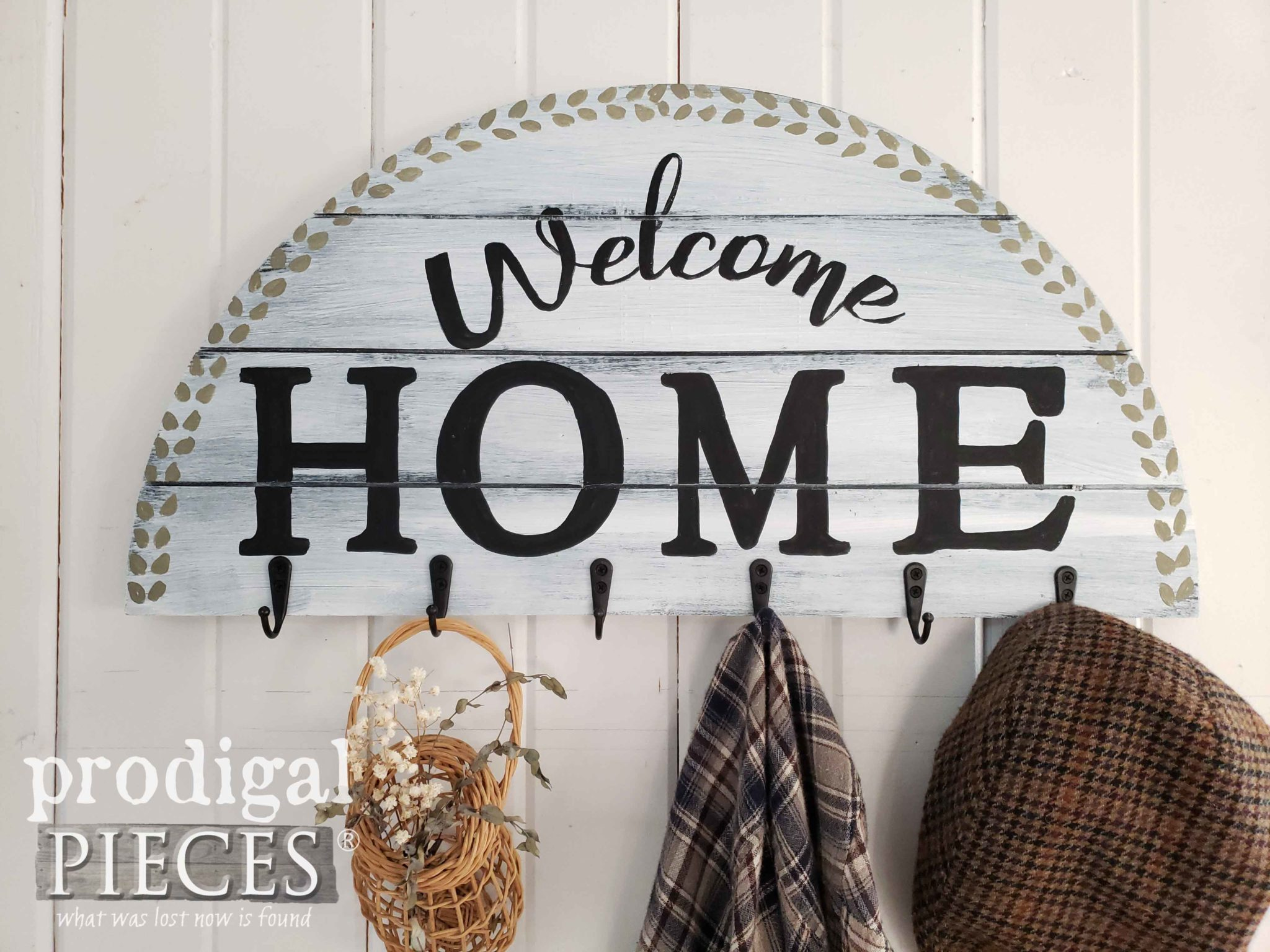 DIY Modern Farmhouse Welcome Home Sign Created by Larissa of Prodigal Pieces using Thrifted Wall Art | Details at prodigalpieces.com #prodigalpieces #home #homedecor #diy #handmade #farmhouse #homedecorideas