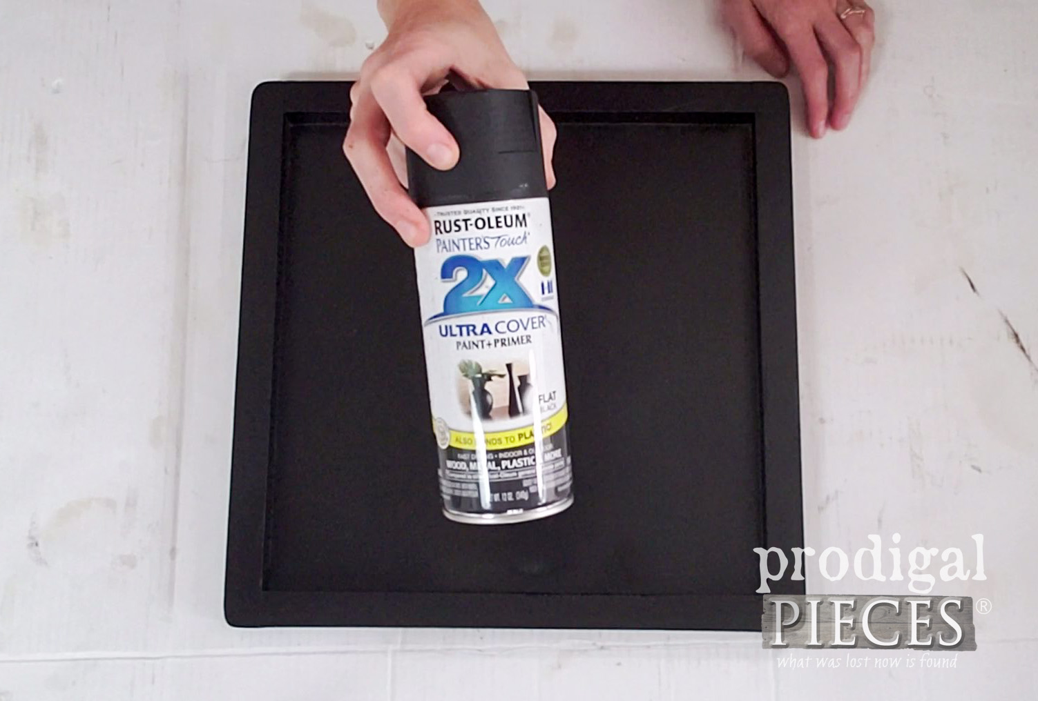 Rustoleum Flat Black Spray Paint for Botanical Print Serving Tray | prodigalpieces.com